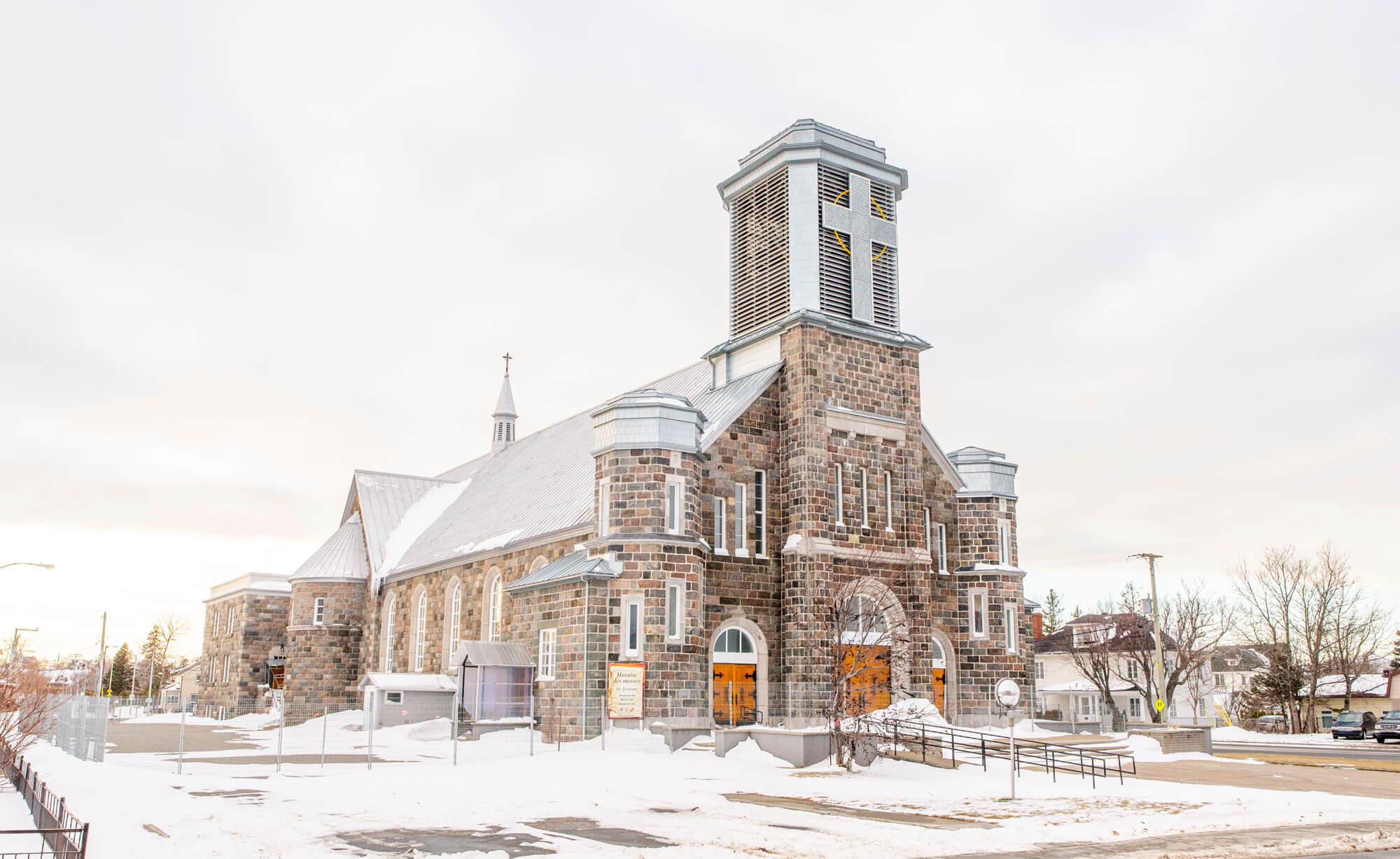 Église Saint-Jérôme de Matane clôture hiver