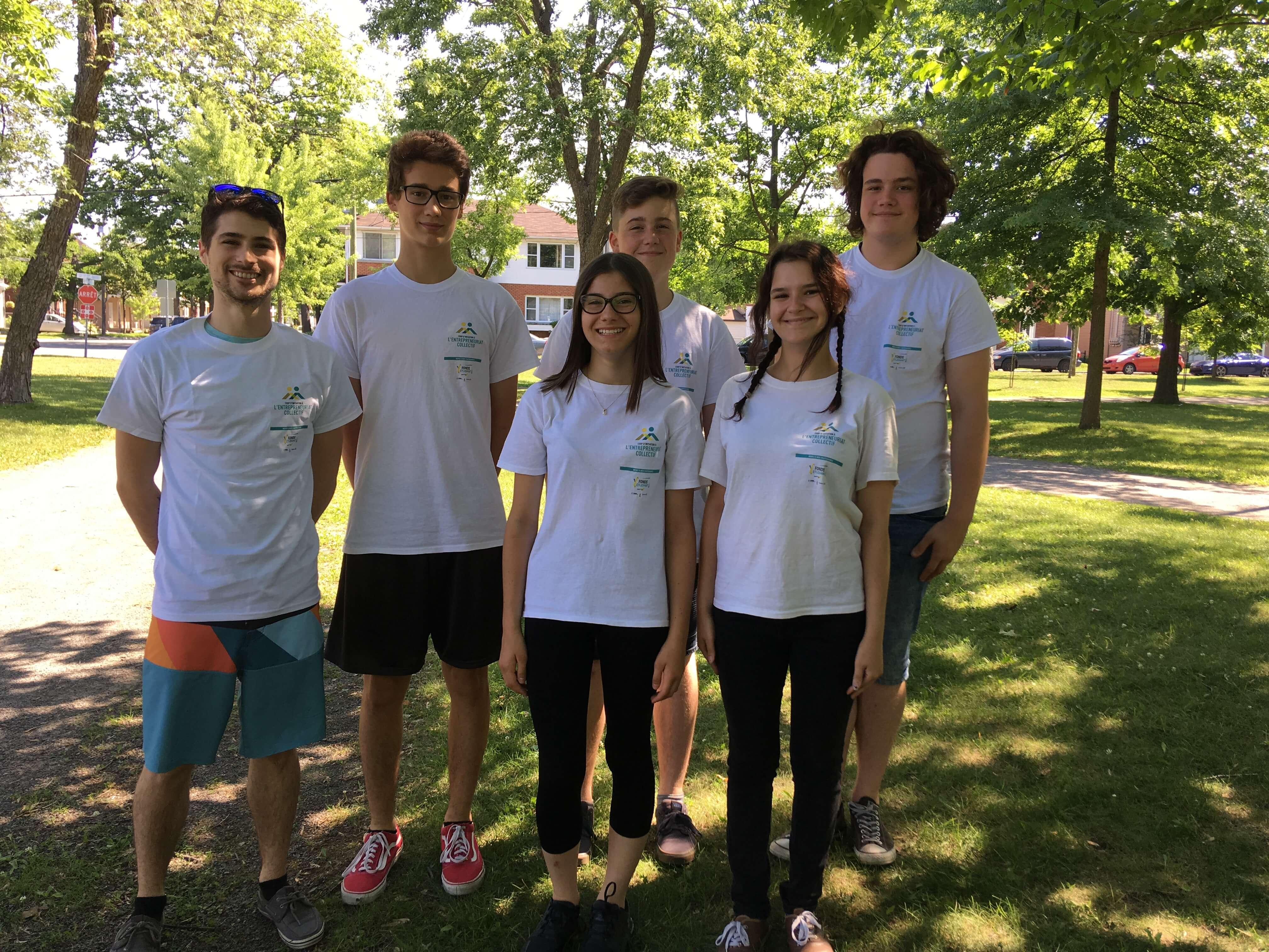 Françis Pellerin-Venne, coordonnateur, accompagné des jeunes entrepreneurs de l'édition 2018 de la Coop d'initiation à l'entrepreneuriat collectif (CIEC) du Grand Joliette.
