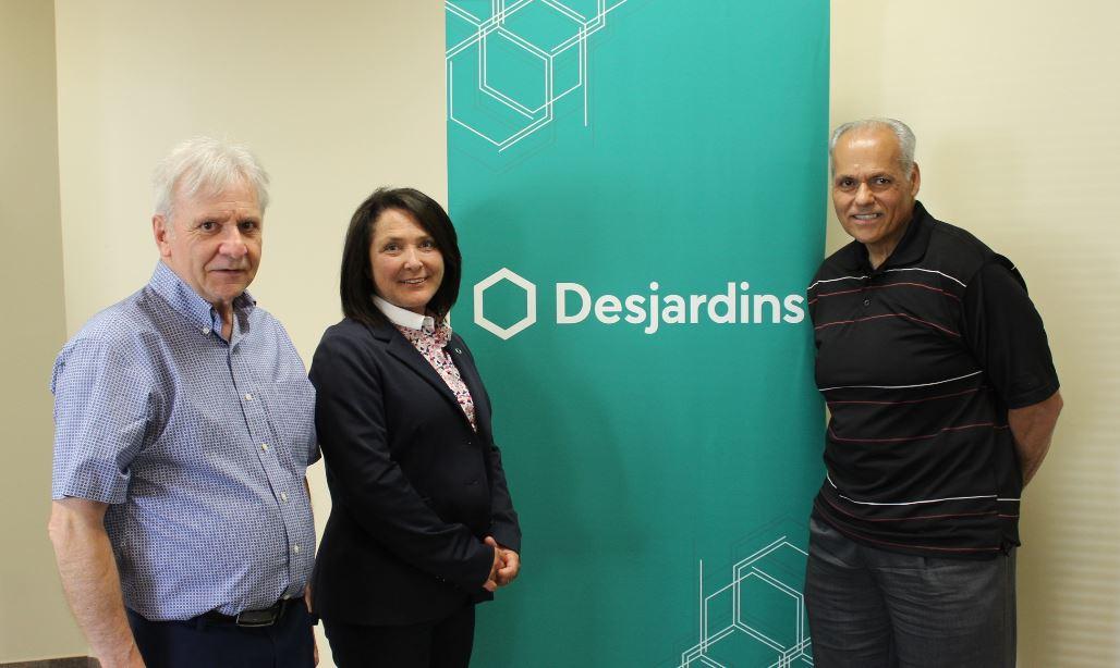 Robert Fournier, président de Parkinson Bas-Saint-Laurent, Sophie D'Anjou, directrice Desjardins Entreprises et Gilles Blaquière, directeur général La Coop Purdel.