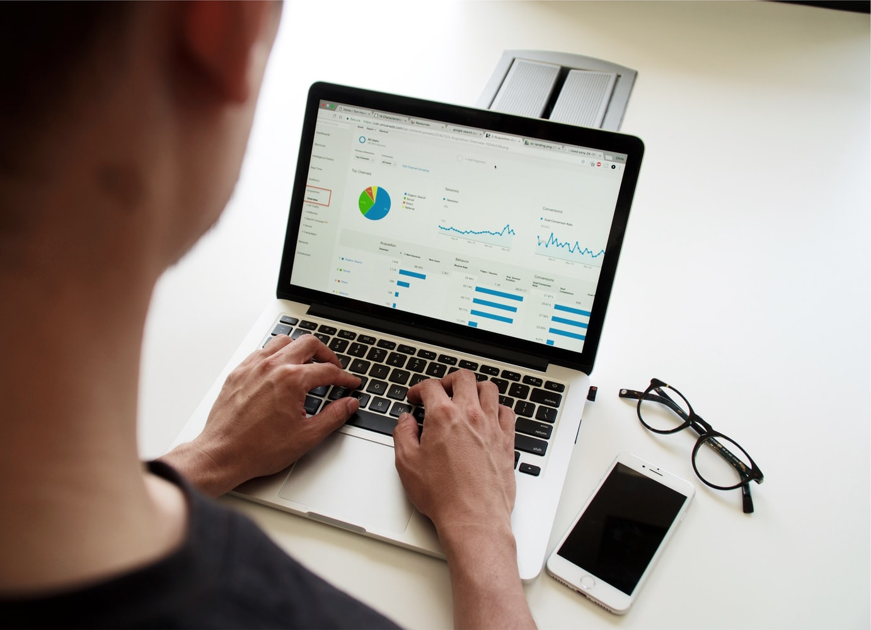 Revenu Québec invite les entreprises et les travailleurs autonomes à utiliser ses services en ligne pour produire leur déclaration de taxes.