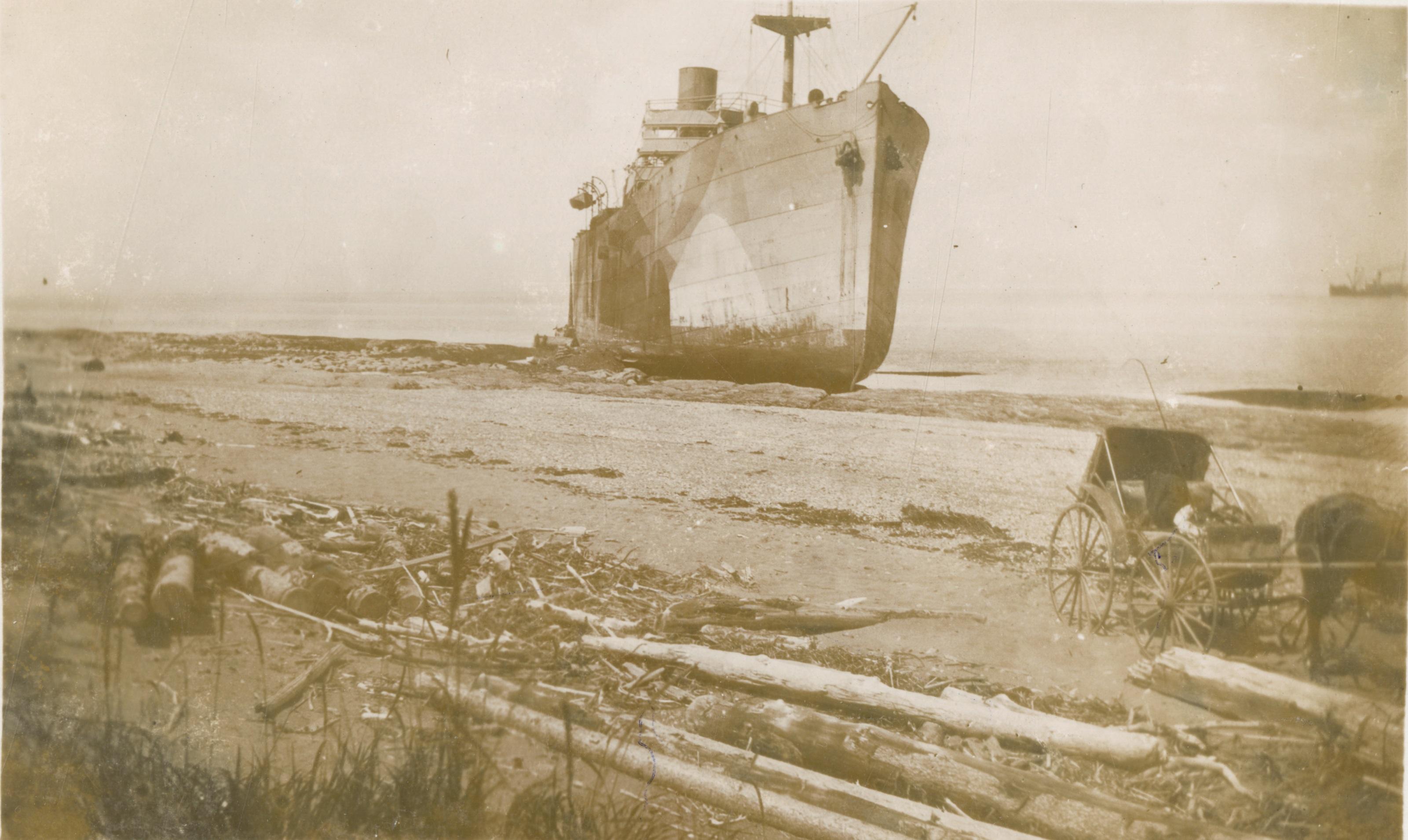 Naufrage du Celtic Prince sur l'île Saint-Barnabé, juillet 1918.