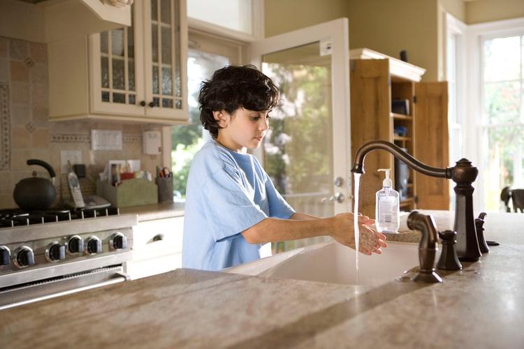 Robinet - avis de bouillir l'eau