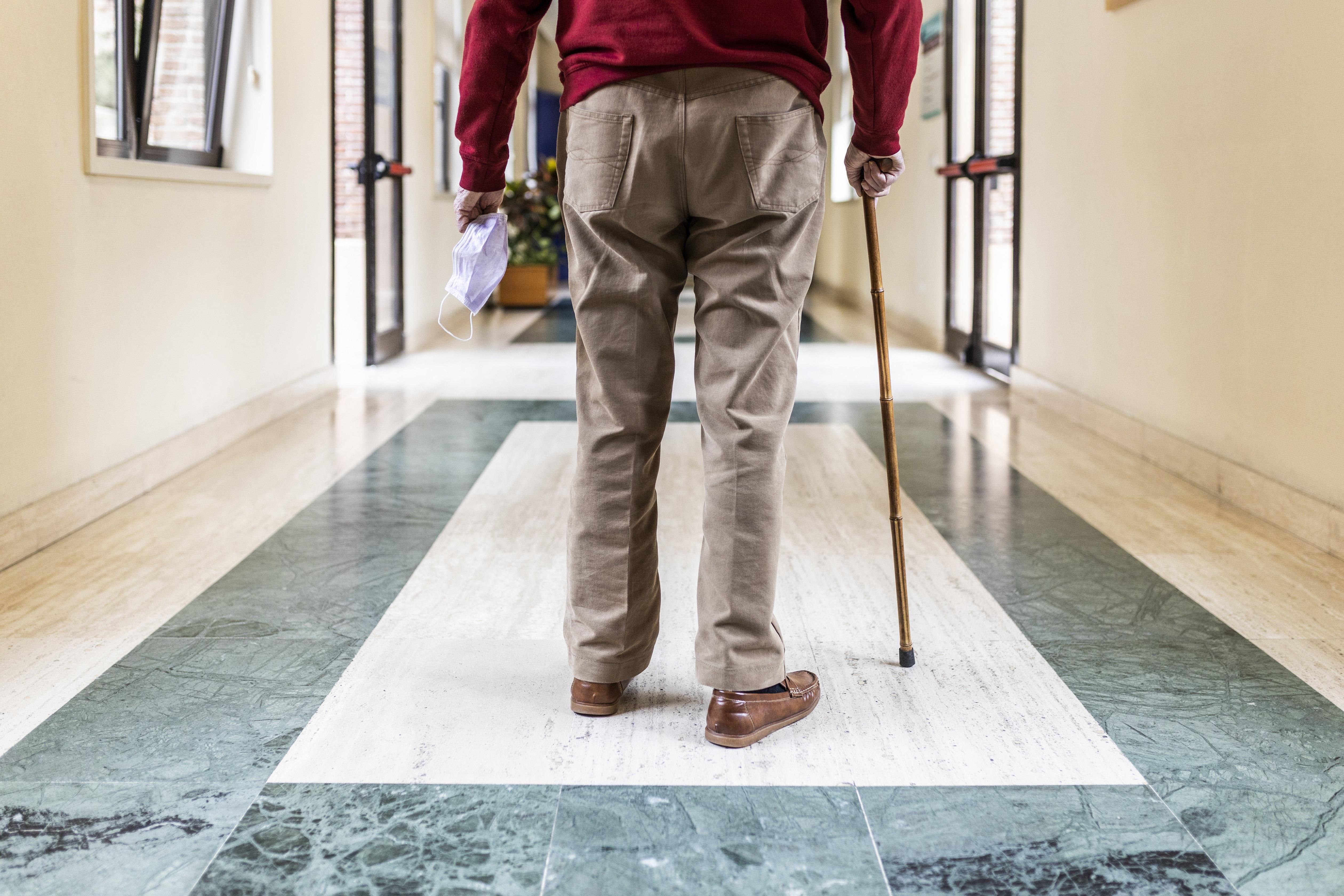 COVID-19, coronavirus, résidence personnes âgées, foyer de soins