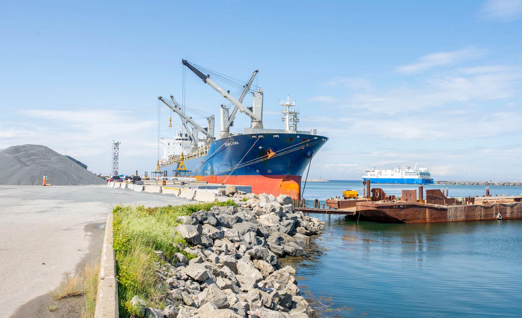 Quai commercial port de Matane