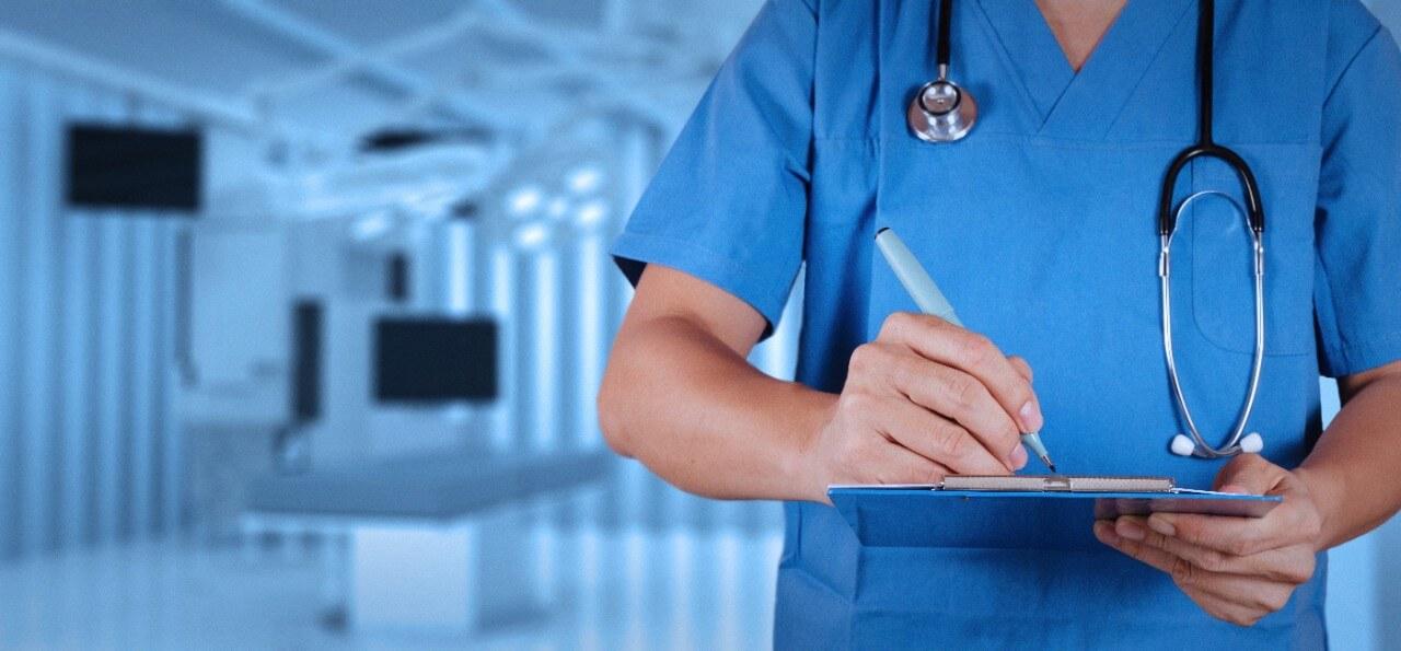 médecin chirurgien opération
