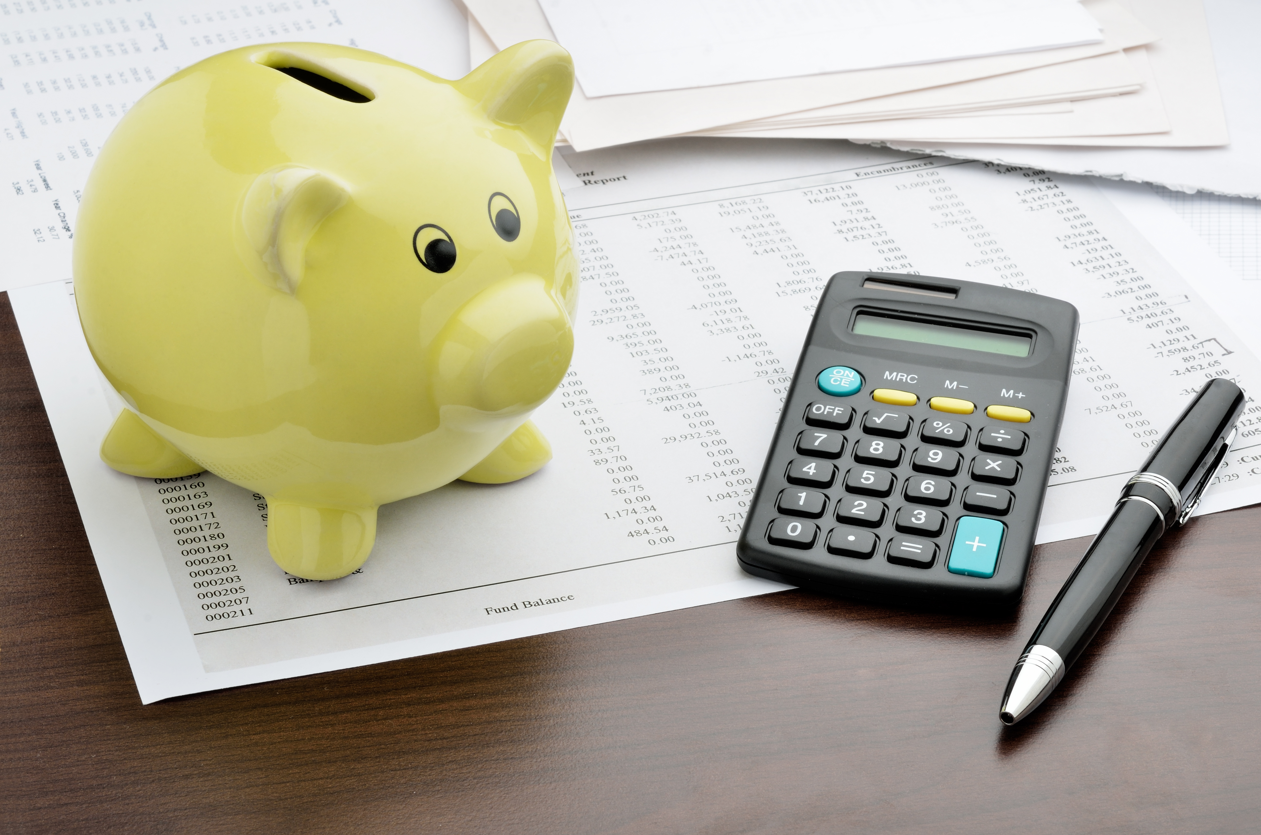 cochon jaune banque tirelire calculatrice budget argent