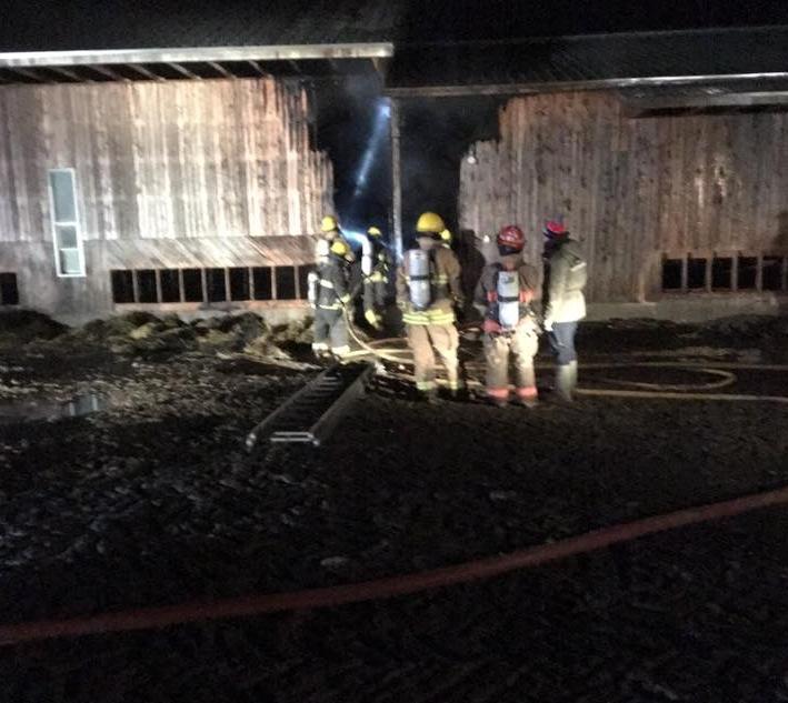 feu de ferme à Sayabec