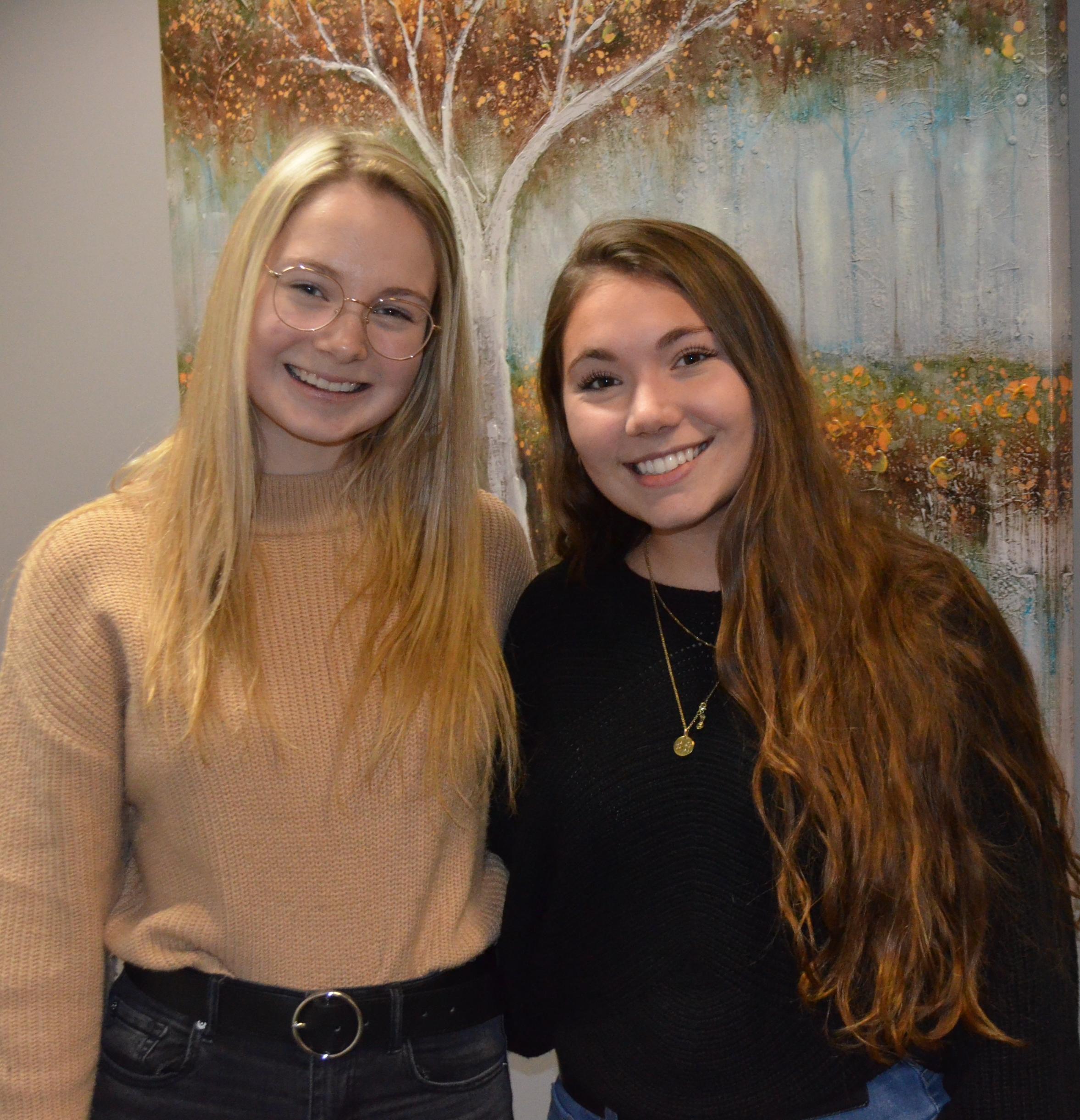 Élodie Bujold et Mélanie Bernard, étudiantes de troisième année en Soins infirmiers au Cégep de Rimouski.