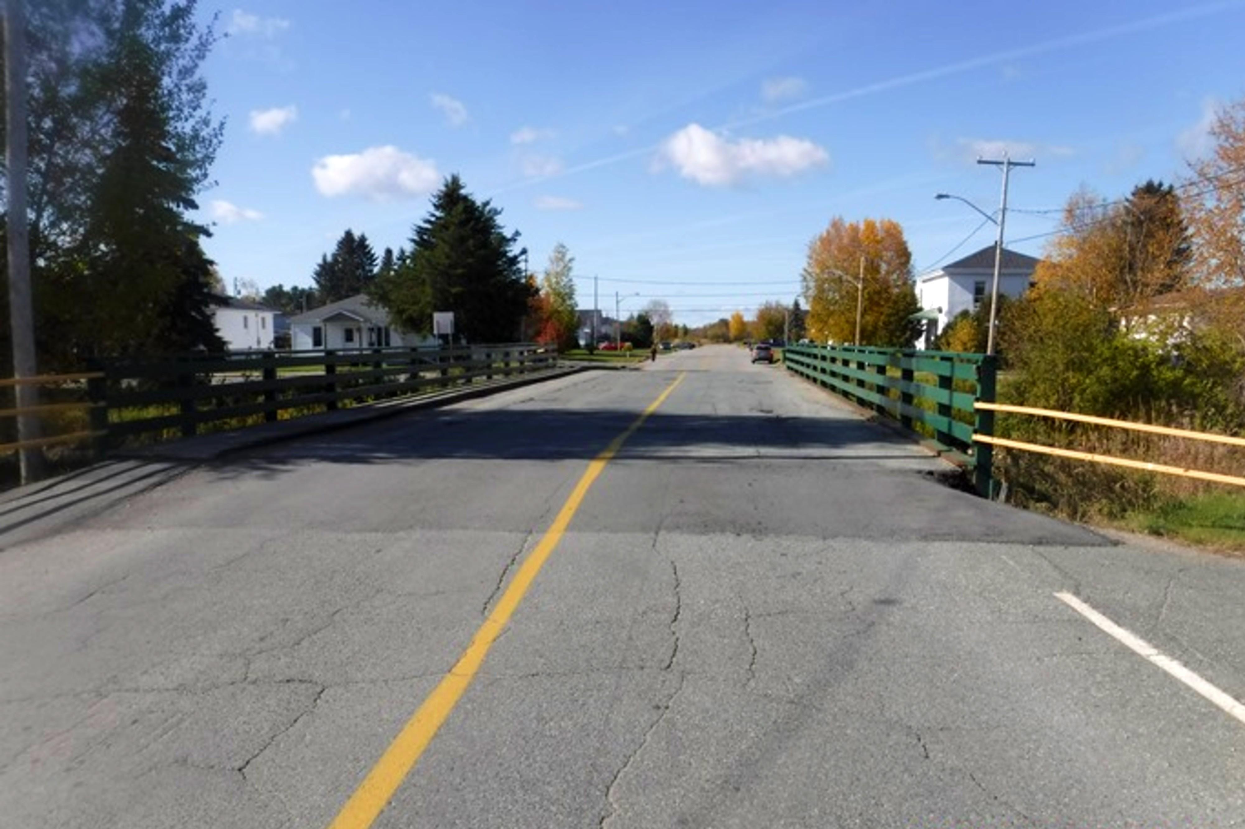 Pont_3e_Avenue_Ouest_LaSarre
