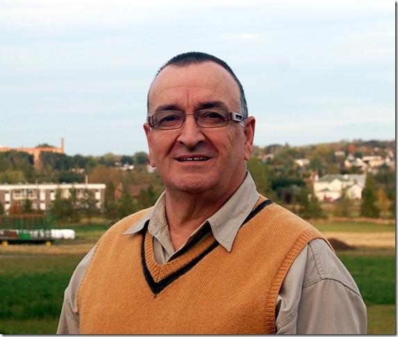 L'instigateur du projet, Bérard Dupéré, directeur général de l'ensemble vocal depuis 16 ans.