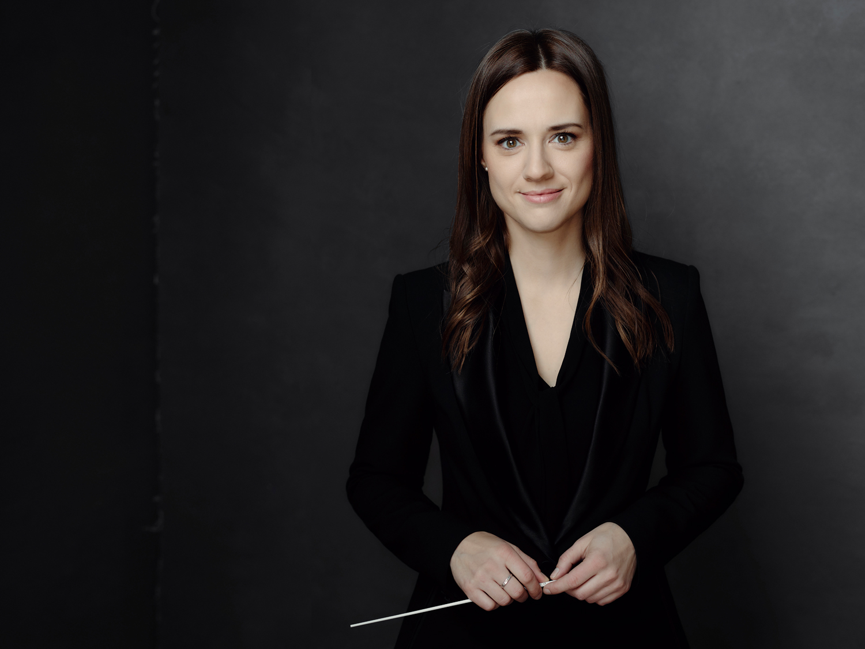 La cheffe d'orchestre Dina Gilbert