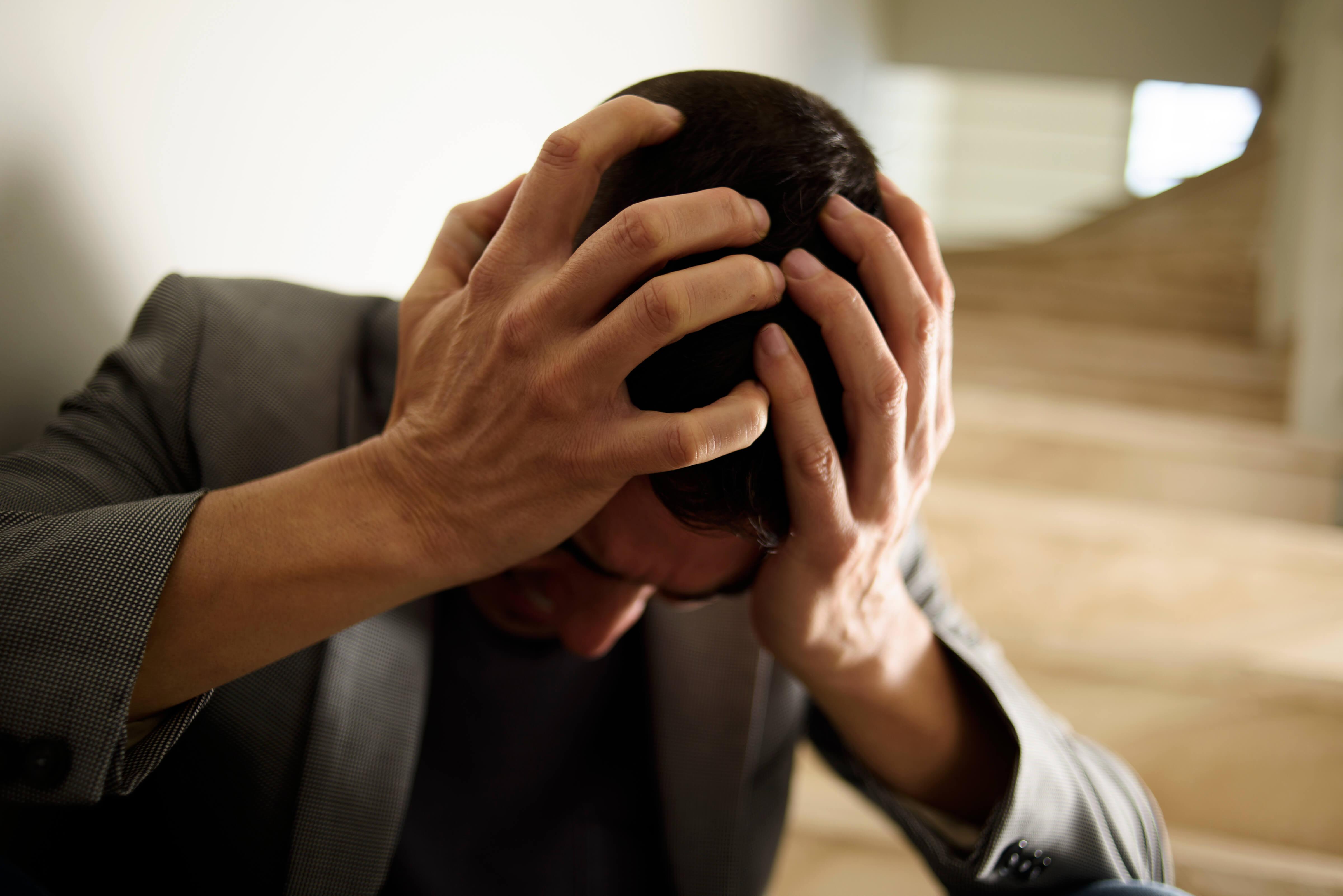 Homme maladie dépression schnizophrénie problèmes mentaux tristesse désespoir