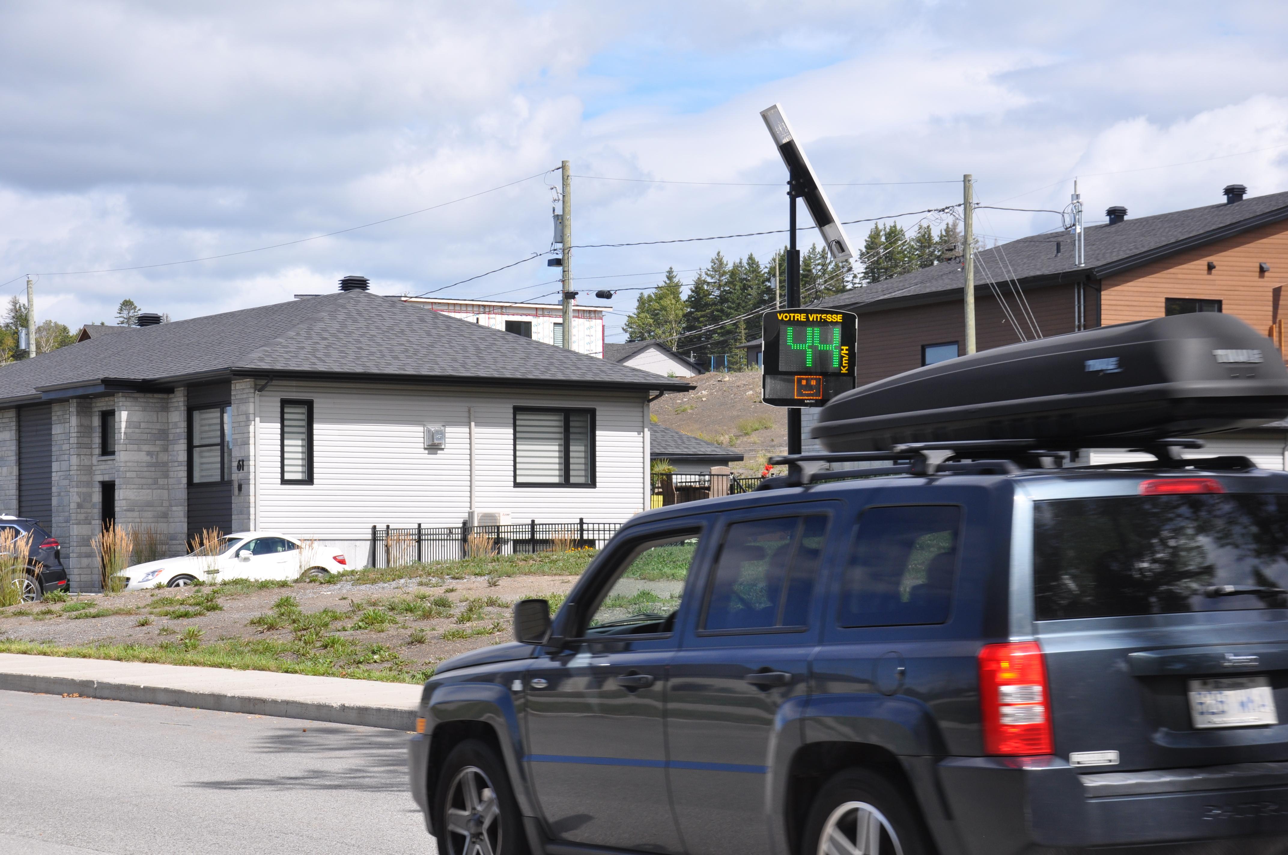 Le maire de Rimouski, Marc Parent, assure que des mesures sont prises pour faire diminuer la vitesse dans les secteurs résidentiels de Rimouski.