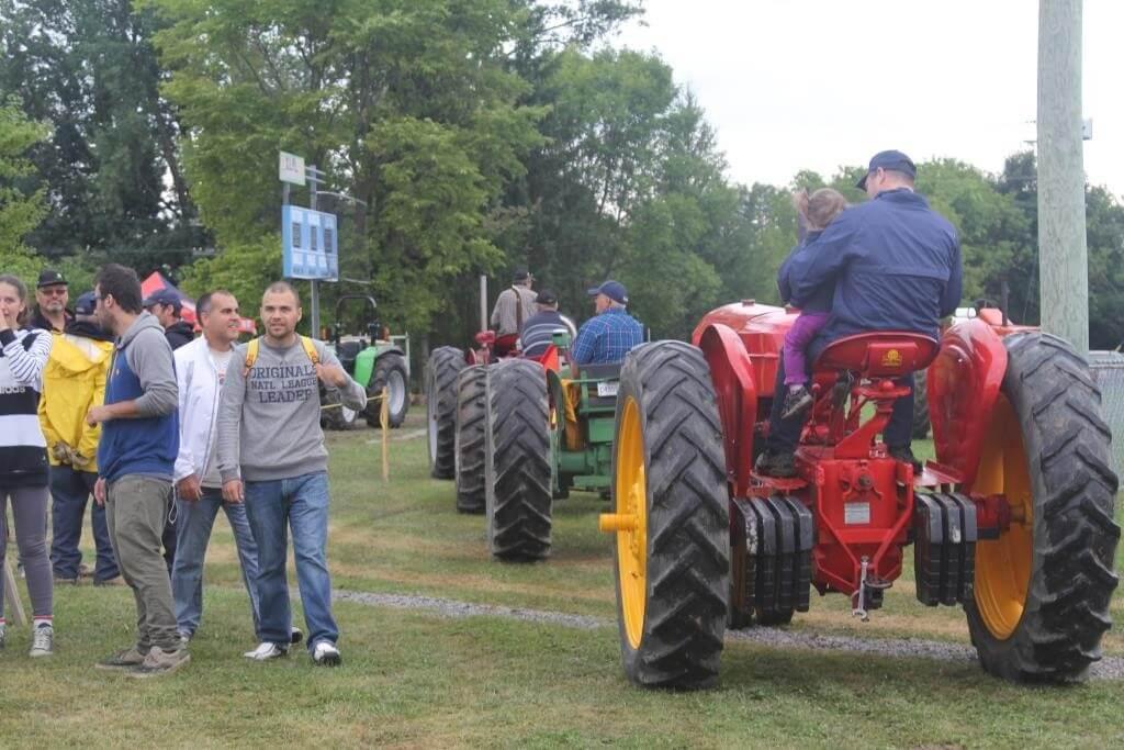Tire de tracteurs antiques