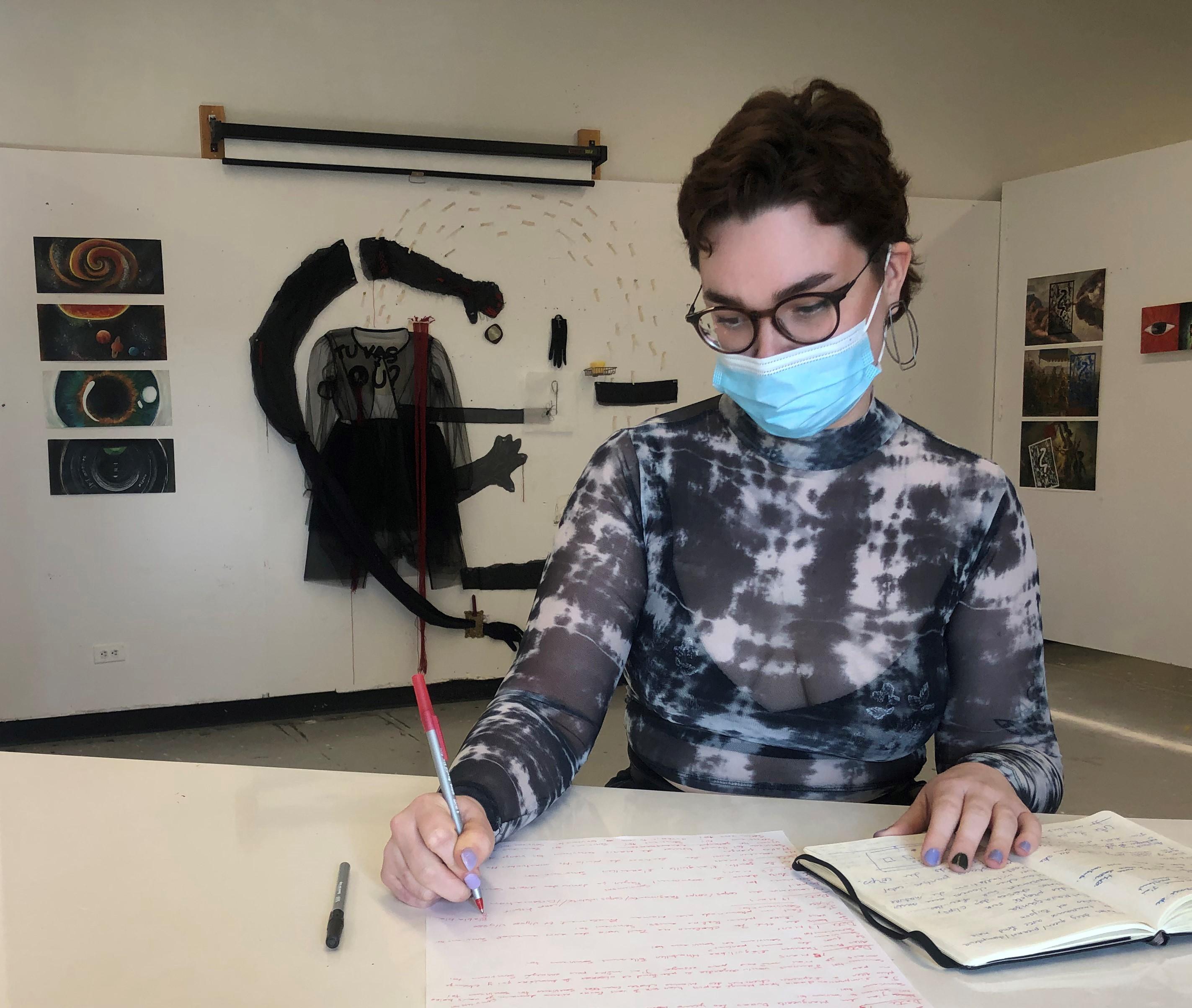 L'étudiante Florence Vinet fait partie de l'exposition « Hors les murs ». Cégep de Rimouski. Galerie d'art Léonard-Parent.