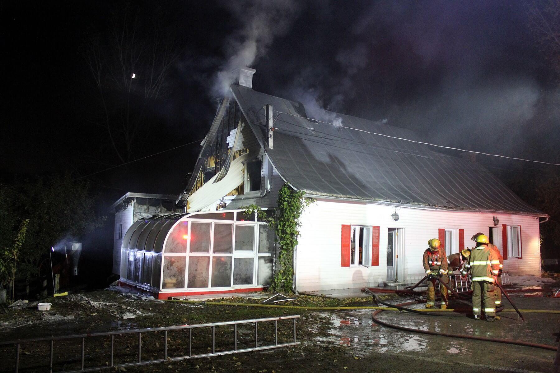 Feu incendie à Sainte-Marie-Salomé