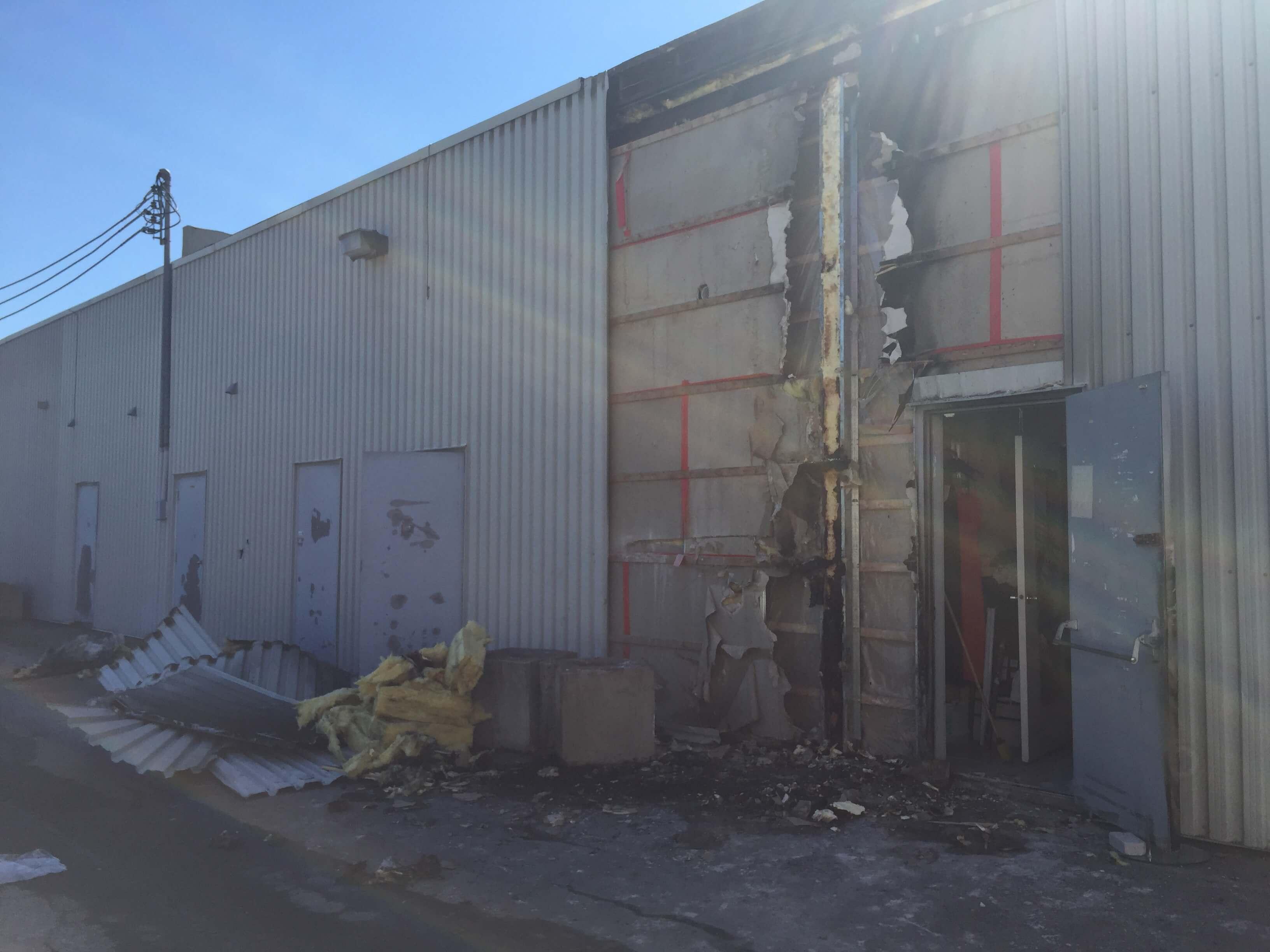 Un feu allumé dans une poubelle à Berthier le 10 juin 2018 a causé des dommages à un centre commercial.