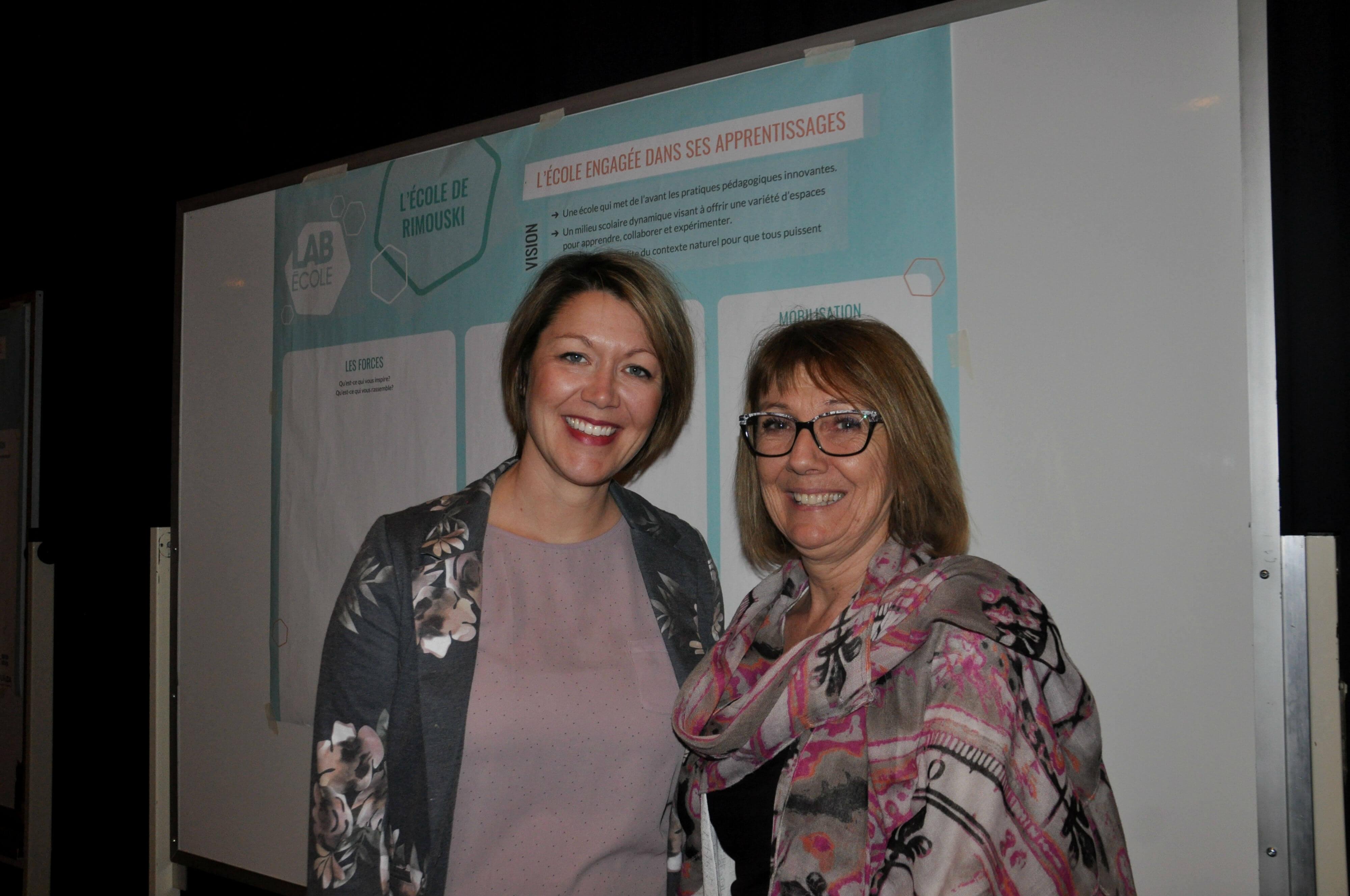 La future directrice de la nouvelle école, Marie-Hélène Gagné, accompagnée de la directrice dela CS des Phares, Madeleine Dugas