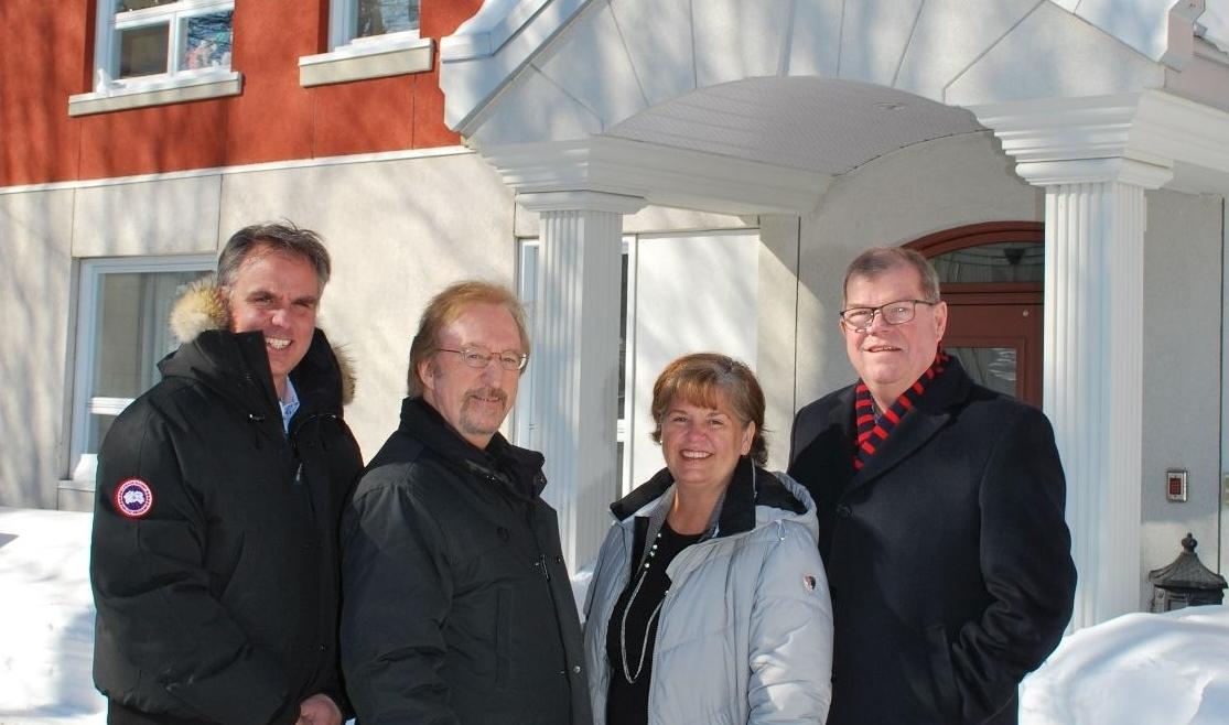 Dominic Drapeau (Groupe Drapeau), Gilbert Dupuis, Marie-Claude Gasse (directrice de Coup de Main à domicile), et René Bélanger (Groupe Drapeau)