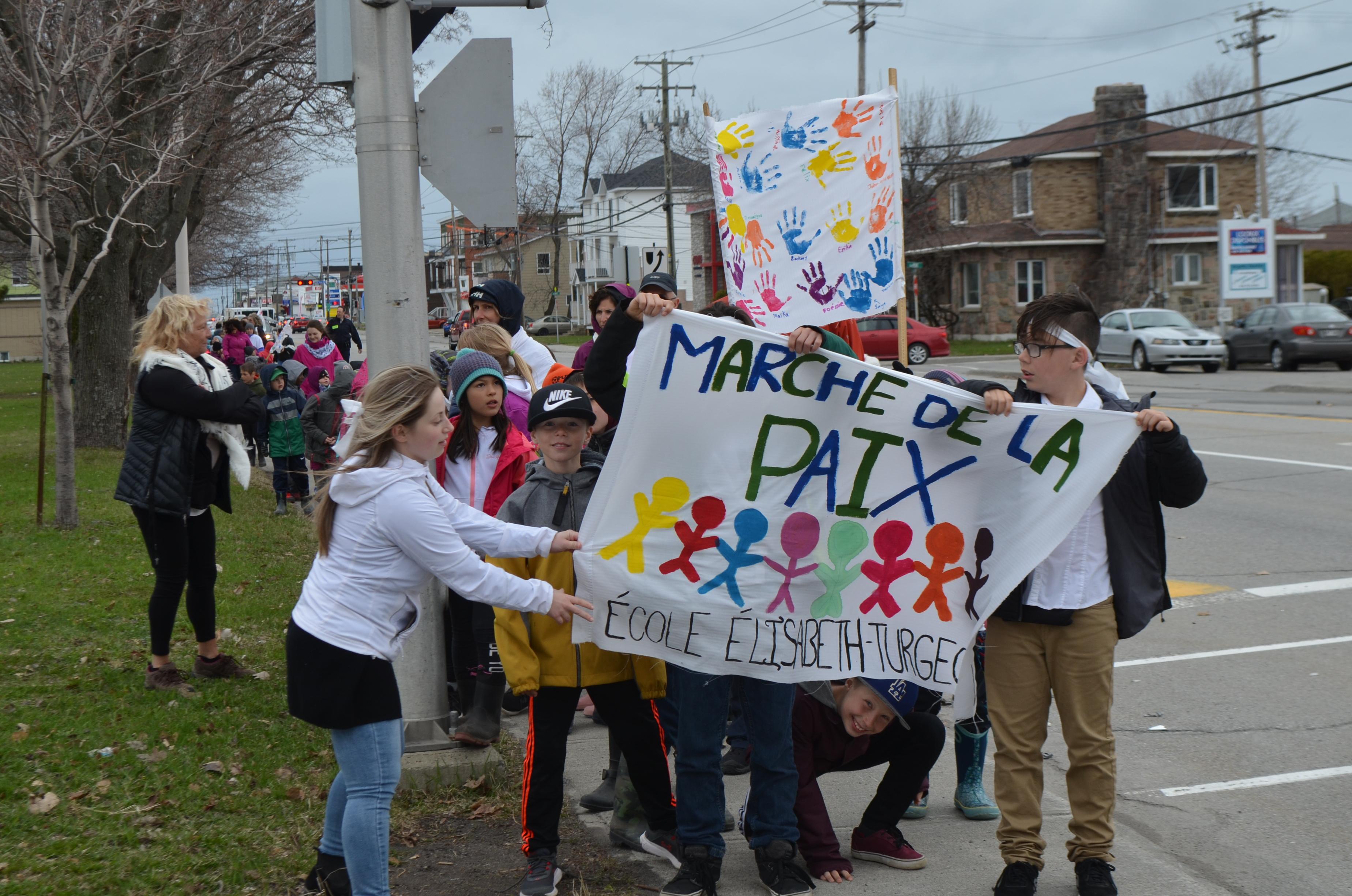 Marche de la paix à Rimouski.