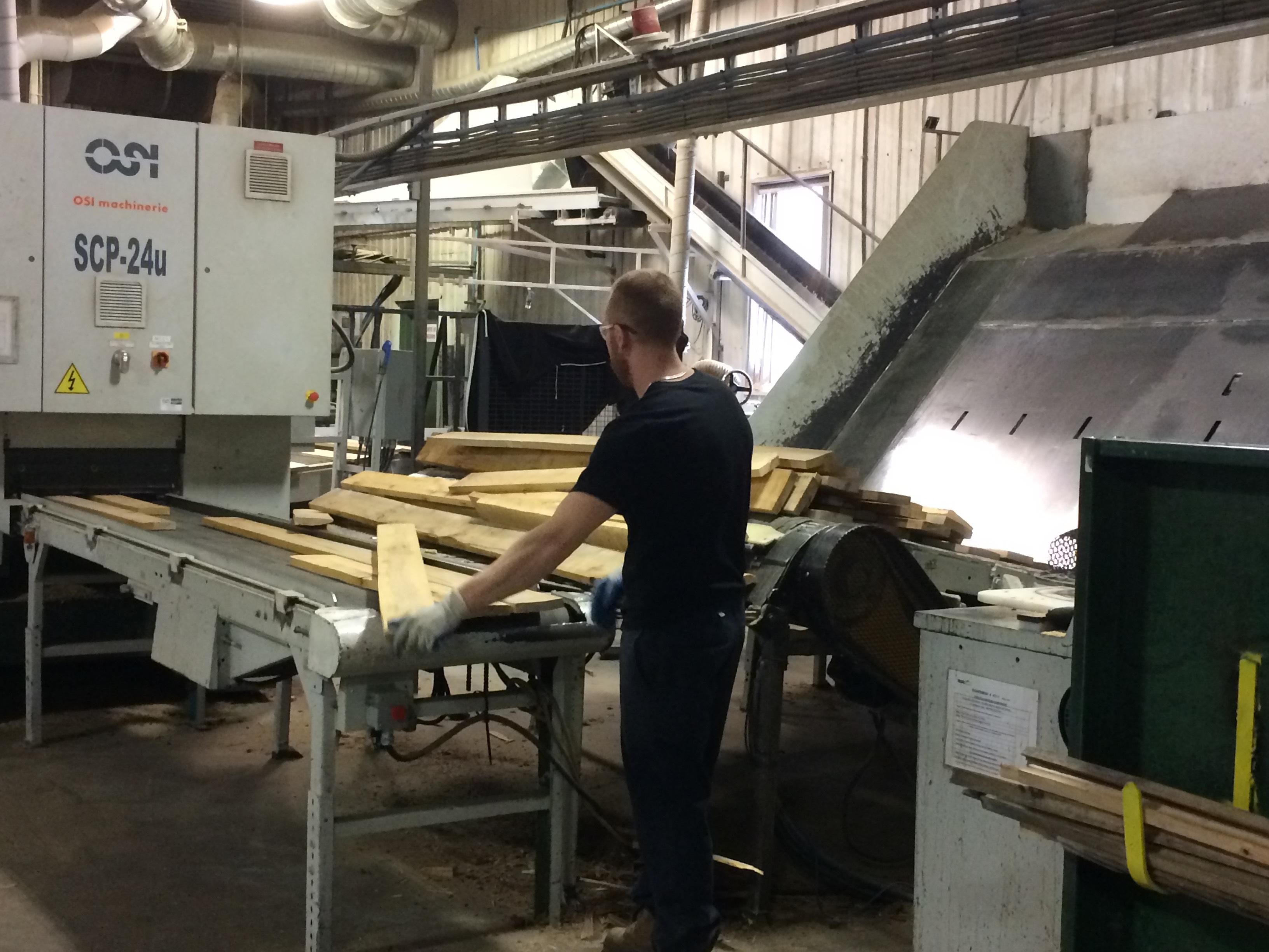 L'entreprise de Mont-Joli, Bois BSL, a reçu de l'aide financière gouvernementale pour élargir sa production.