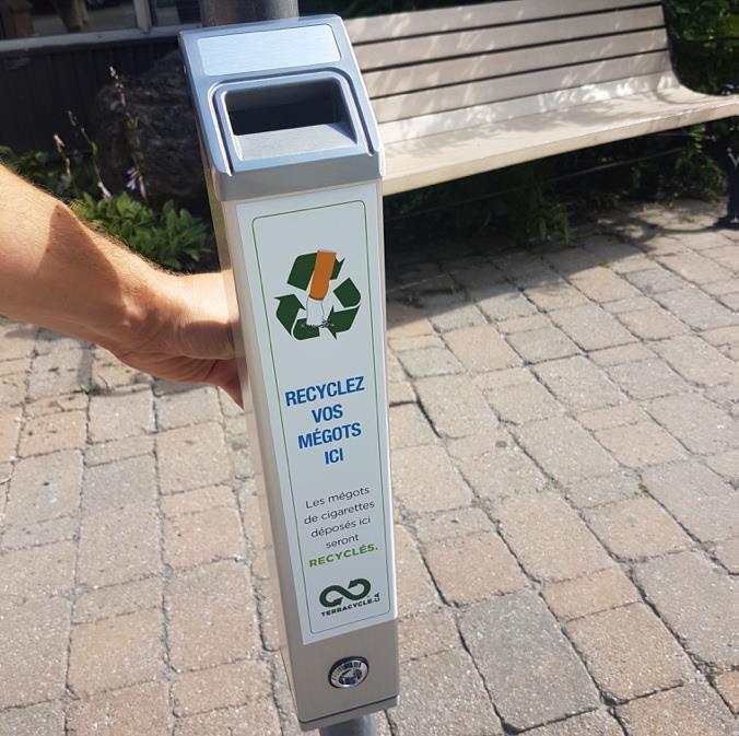 Cendrier pour le recyclage de mégots.