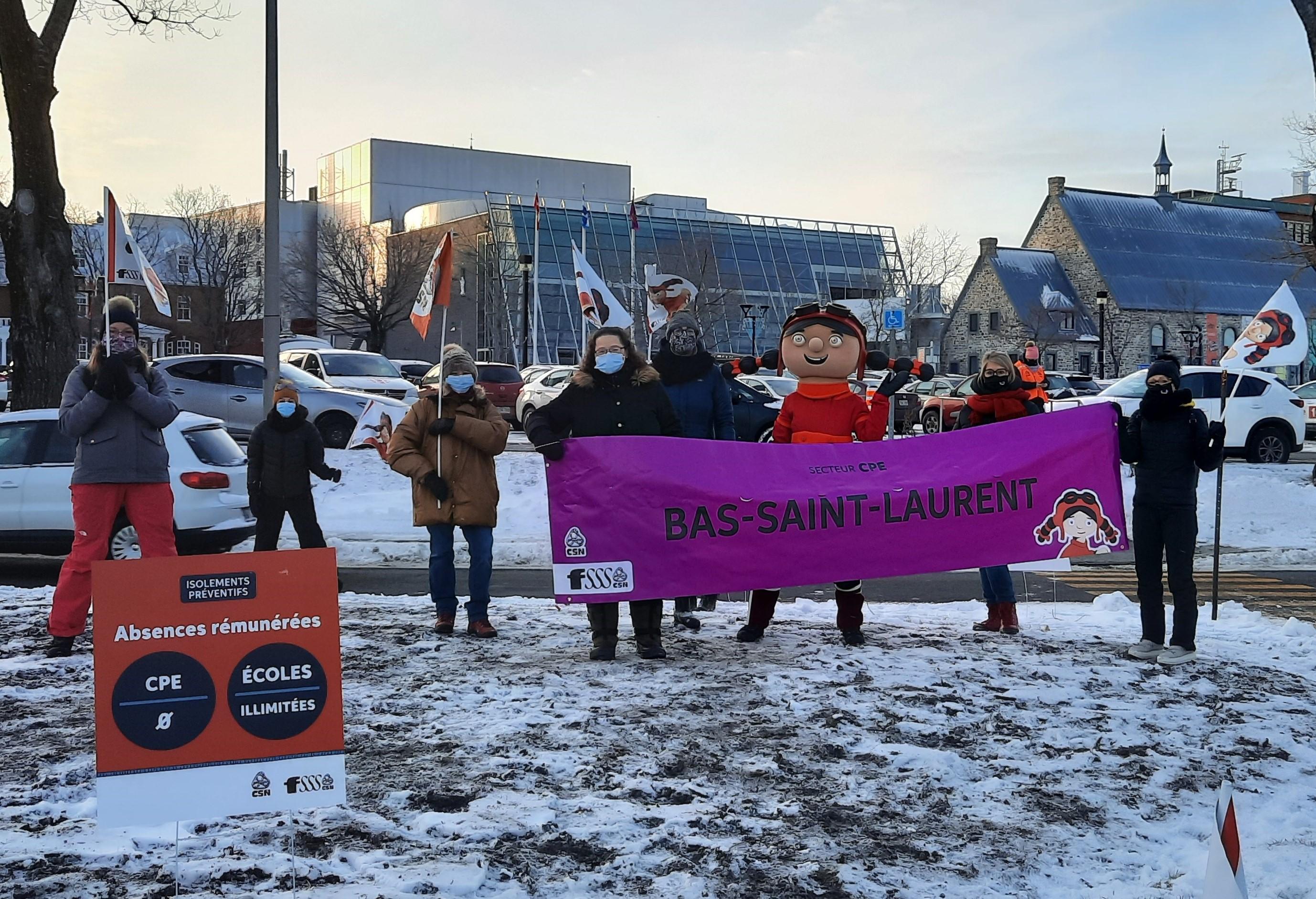 Manifestation travailleuses de CPE Rimouski