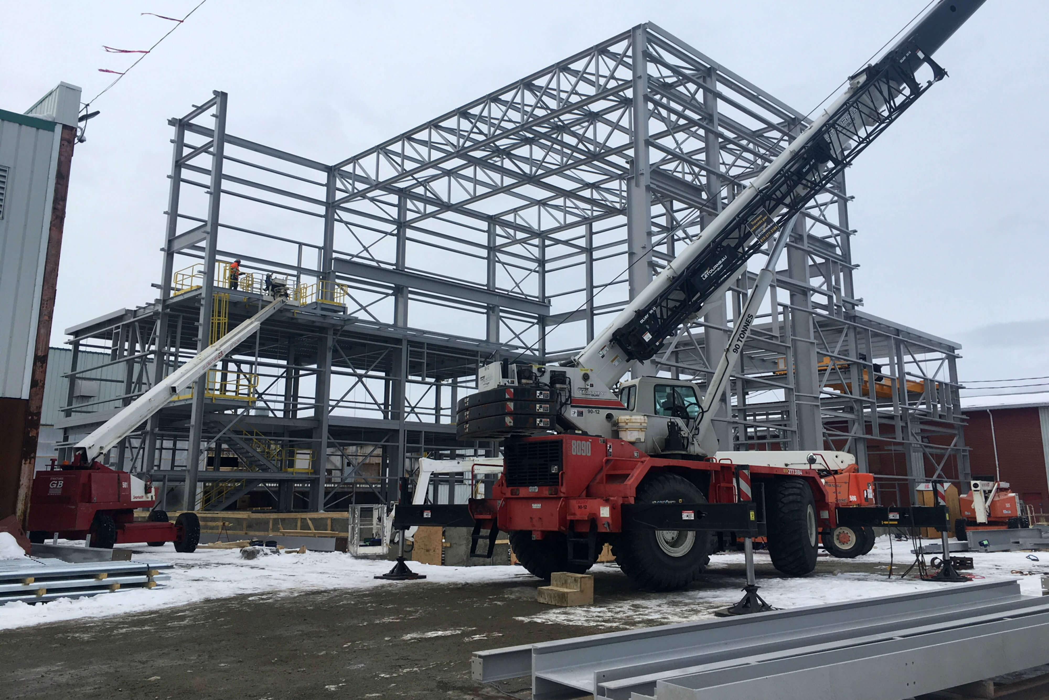 Falco_construction_usine