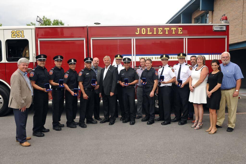 Dix sapeurs de Joliette ont reçu le 27 juin 2018 la Médaille des pompiers pour services distingués, une distinction de la Gouverneure générale du Canada