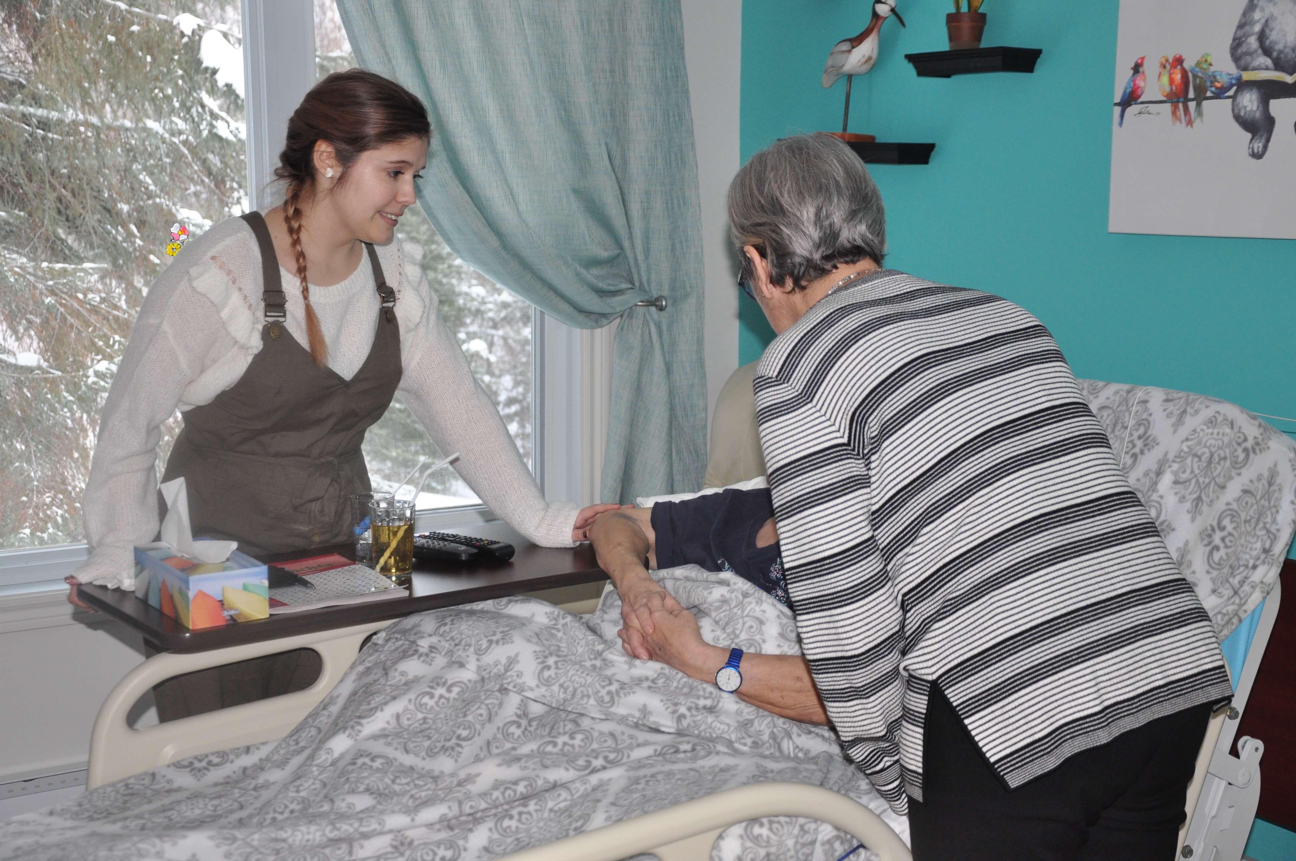 Maison de la source Gabriel reportage soins palliatifs infirmières Val-d'Or