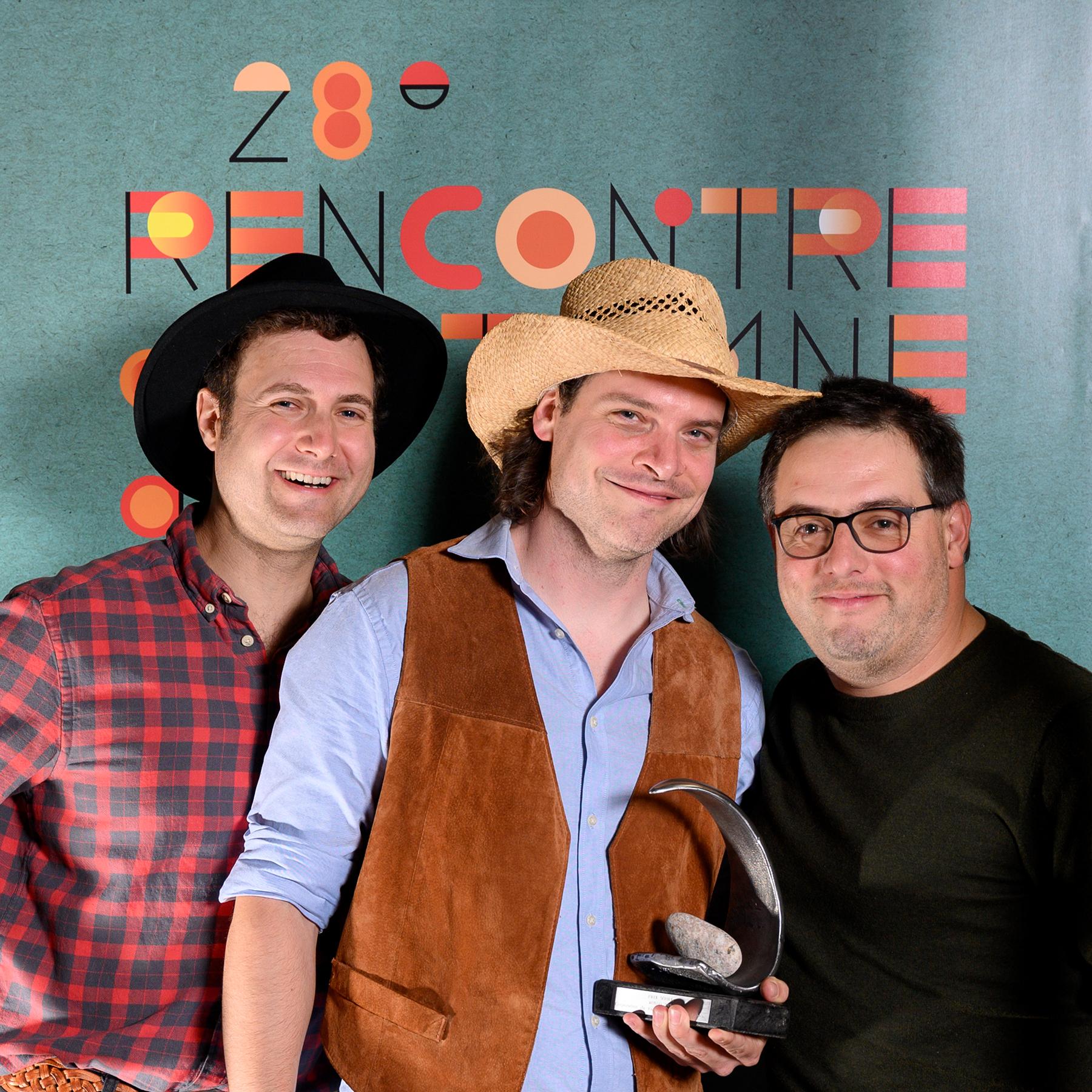 Frédéric Lagacé, directeur général du ROSEQ, Alexandre St-Pierre, directeur général et Steve Fournier, membre du CA du Vieux Théâtre de St-Fabien