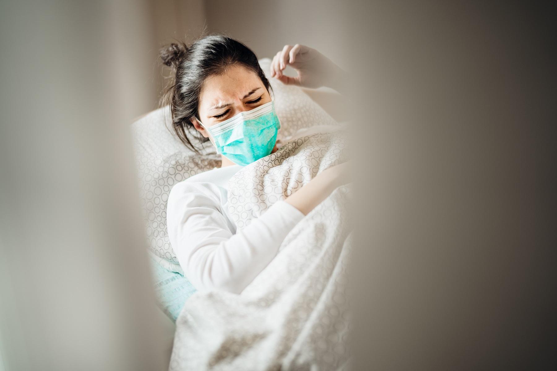 Hospitalisation COVID masque