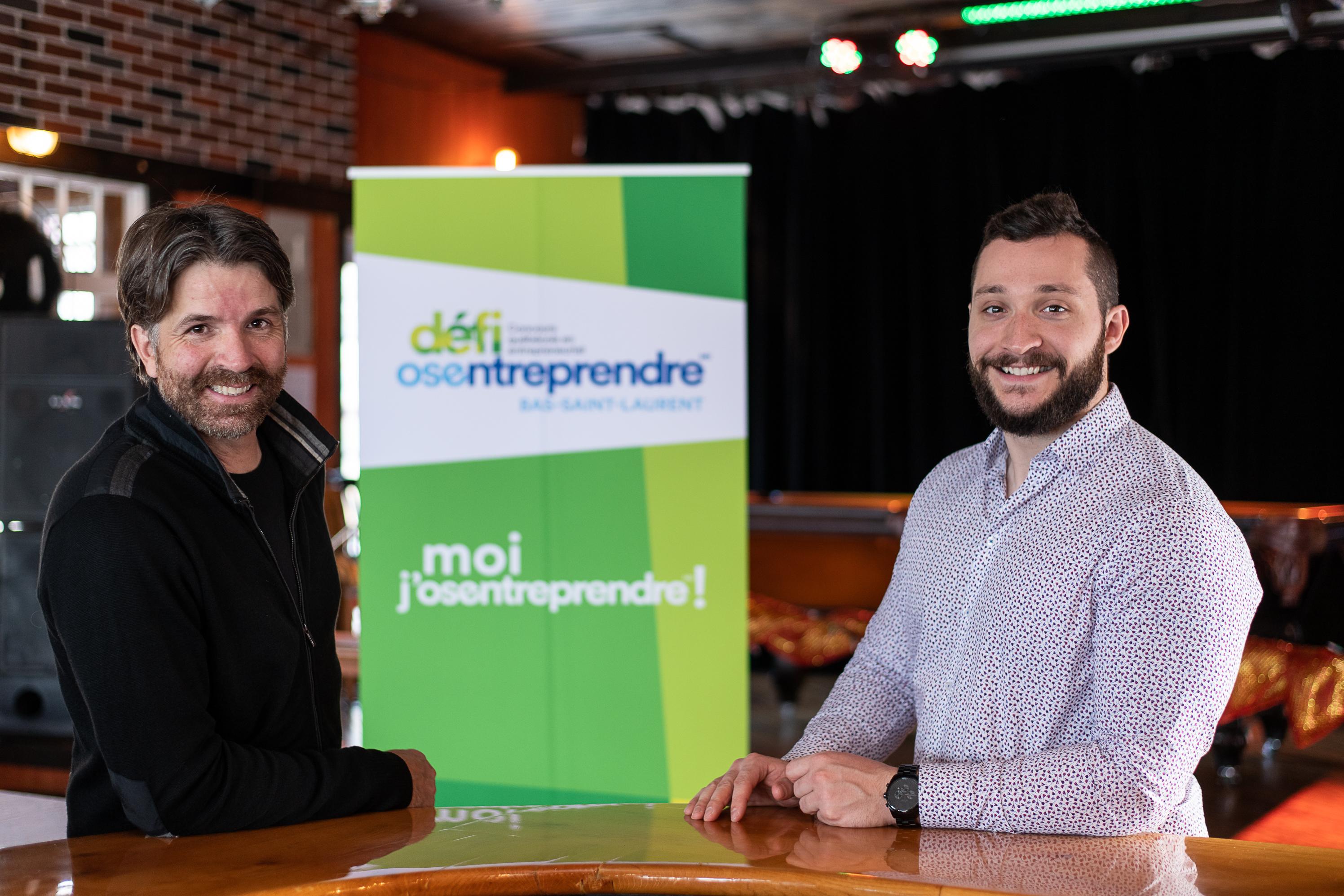 Jean-François Fortin, copropriétaire de la microbrasserie Le Ketch et maire de Sainte-Flavie, et Maxime Dionne, cofondateur et président de Entomo DSP à Saint-Pascal.