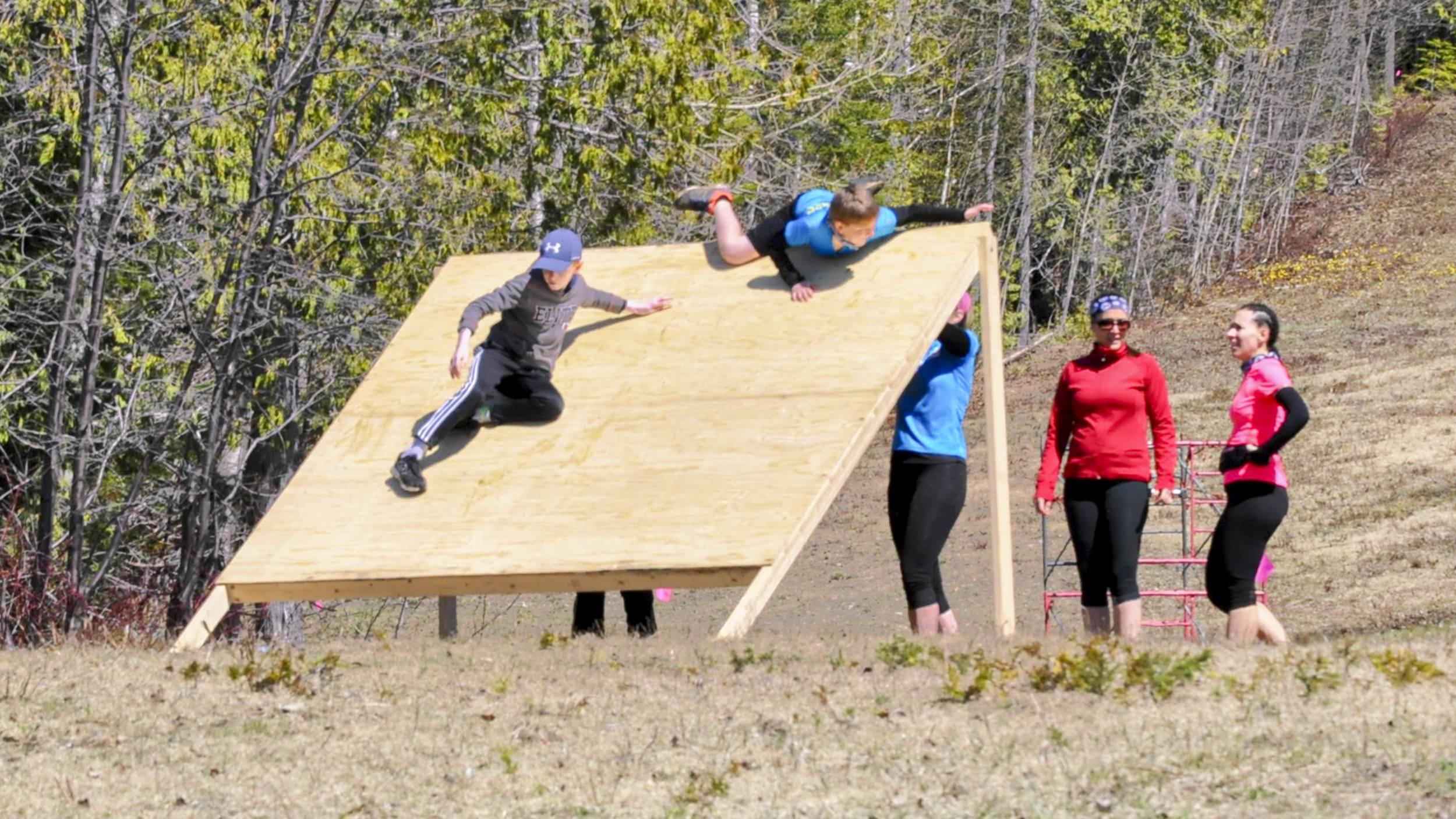 Parcours santé obstacles entraînement sportif