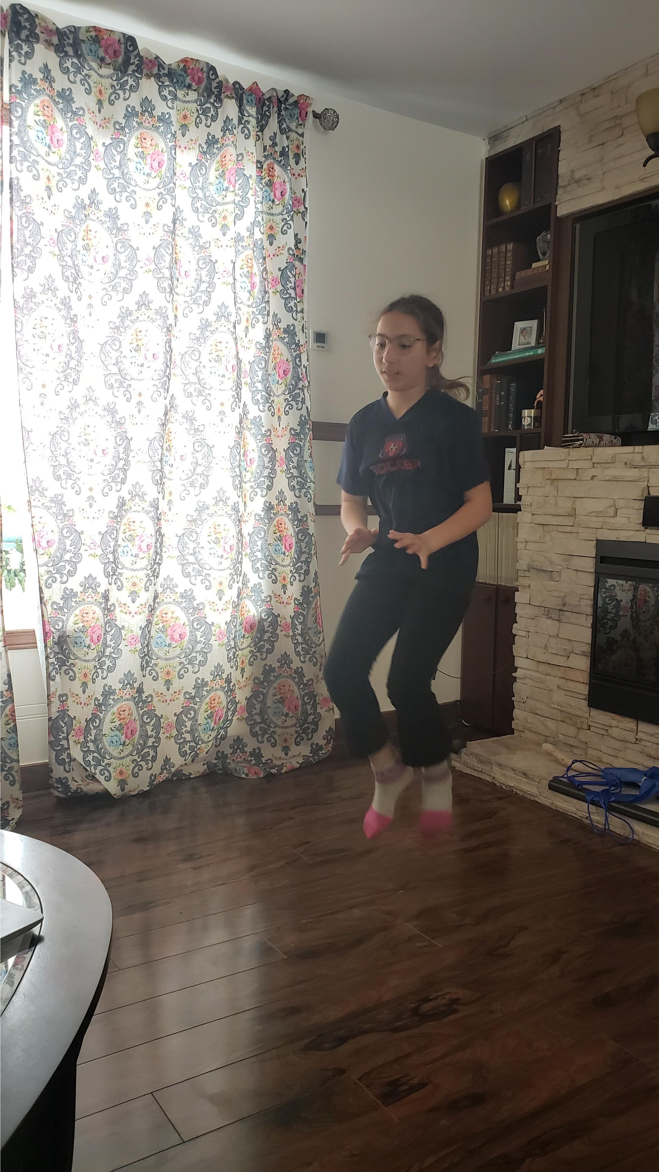 jeune fille entrainement virtuel