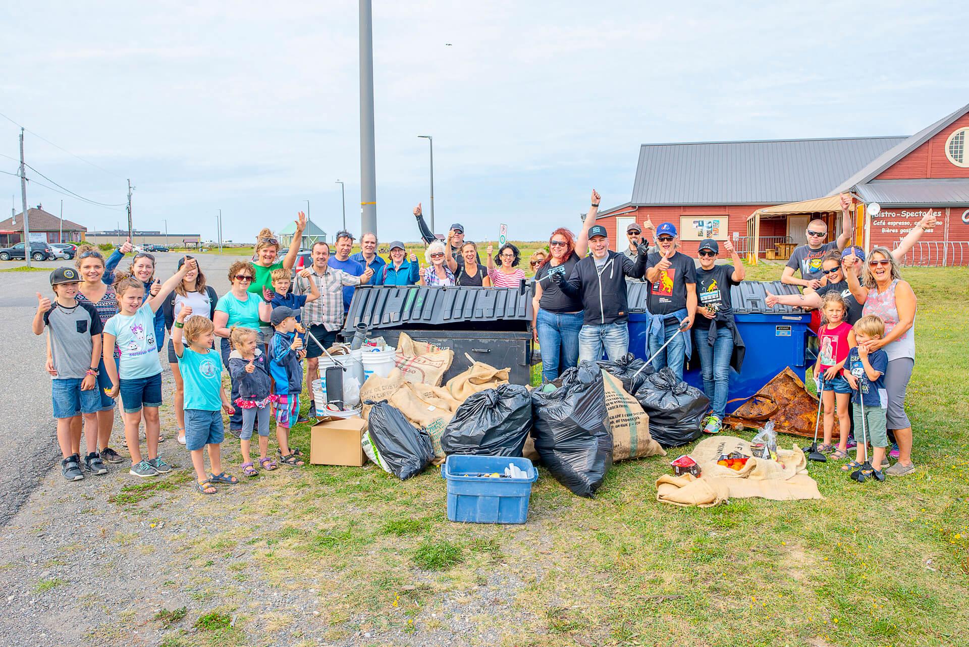 Rammassage déchets Matane Mission 100 tonnes Nettoyons la planète en un jour environnement