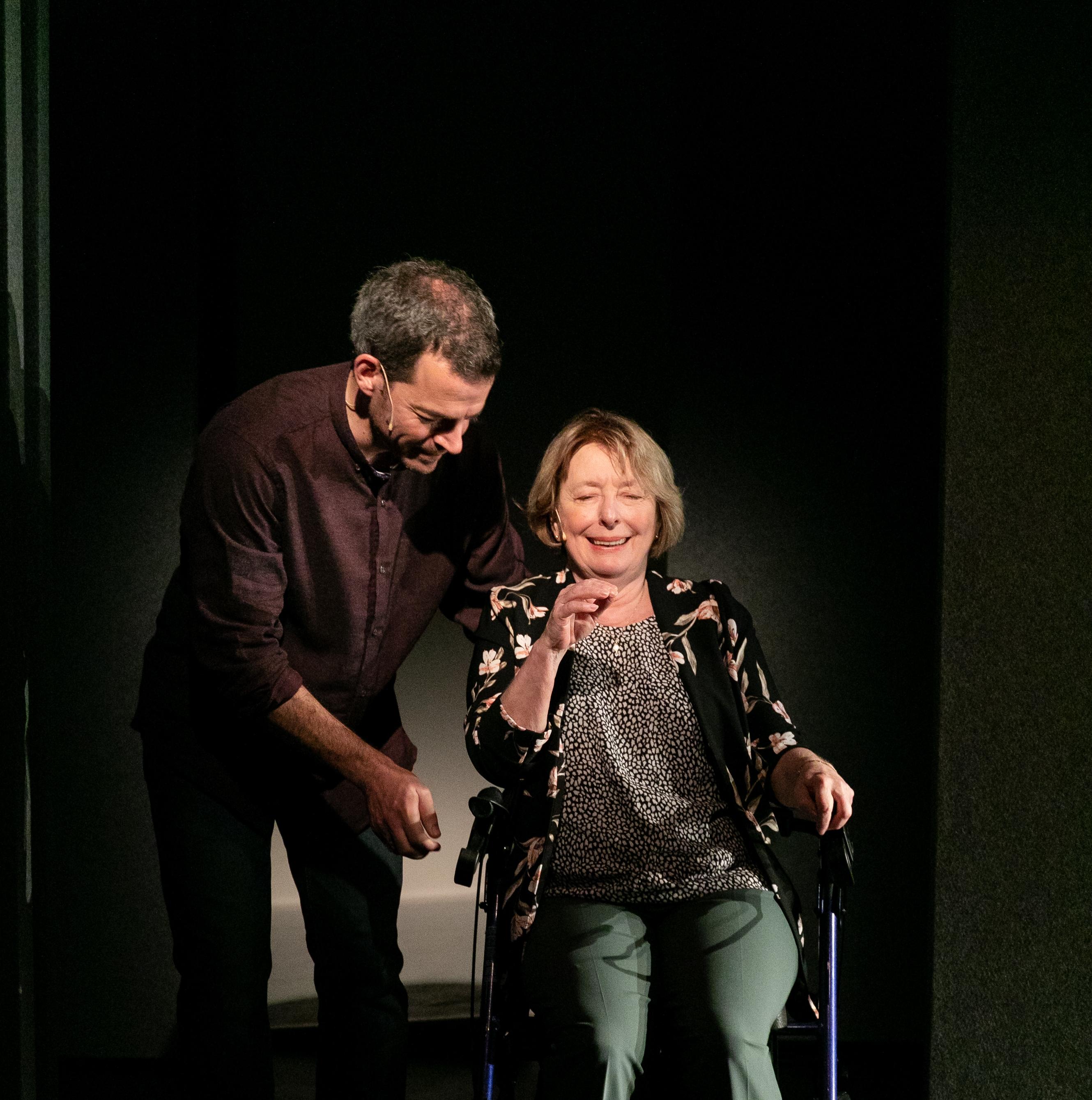 La pièce Tout inclus : François Grisé et Marie-Ginette Guay.