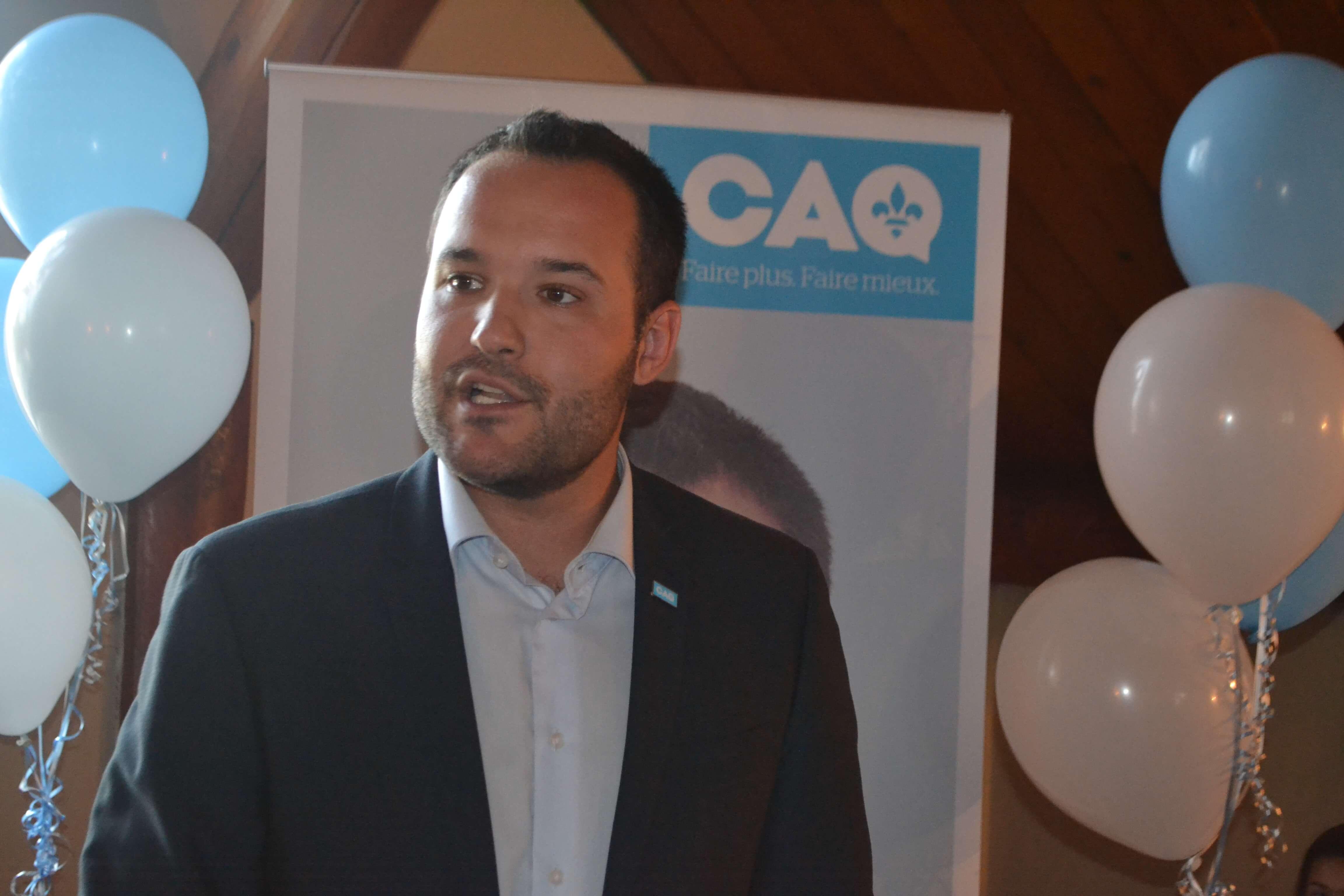 Lacombe s'engage à «travailler fort pour Papineau»