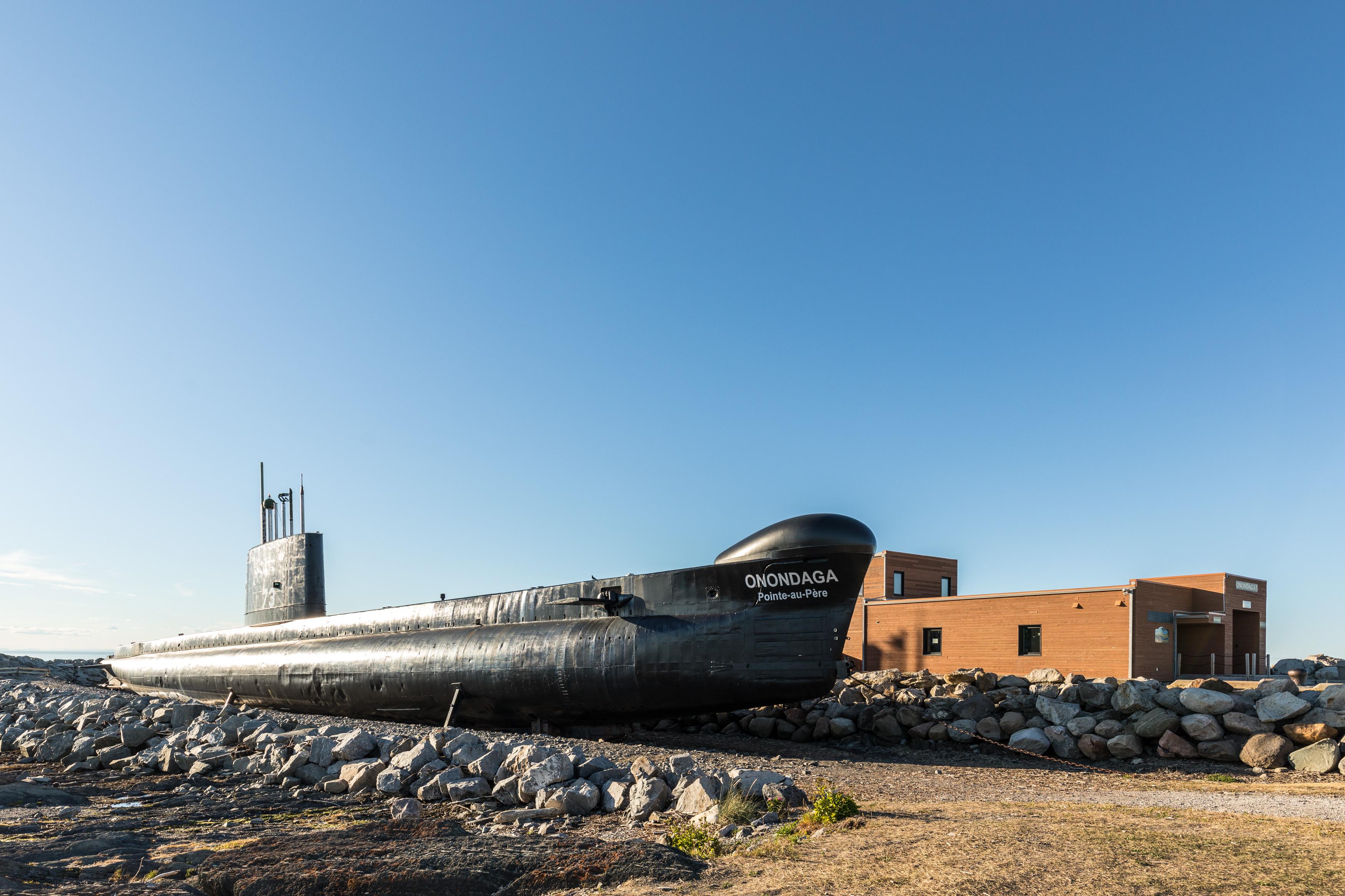 Le sous-marin Onondaga qui a sillonné l'Atlantique Nord de 1967 à 2000 est amarré en permanence au Site Maritime de la Pointe-au-Père.