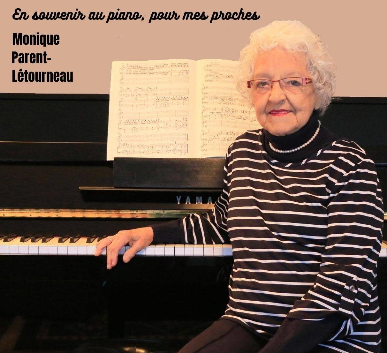 Monique Parent-Létourneau devant son piano à 91 ans et six mois.