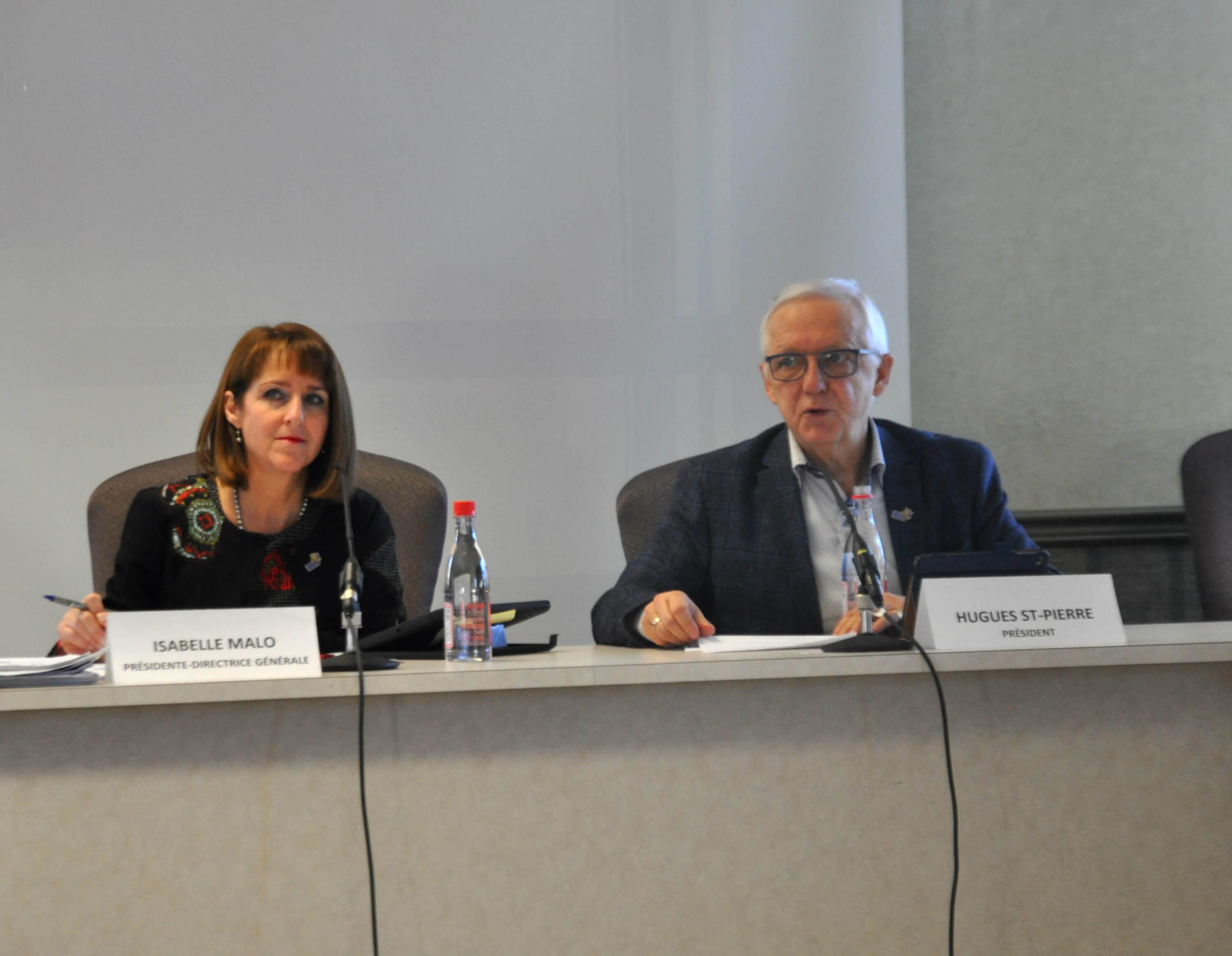 Isabelle Malo et Hugues St-Pierre, président du CISSS du Bas-Saint-Laurent