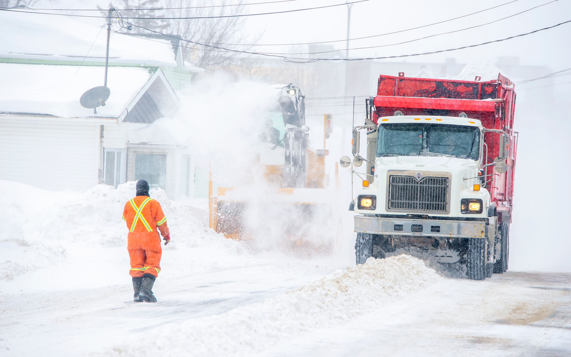 Tempête neige déneigeuse rues Matane