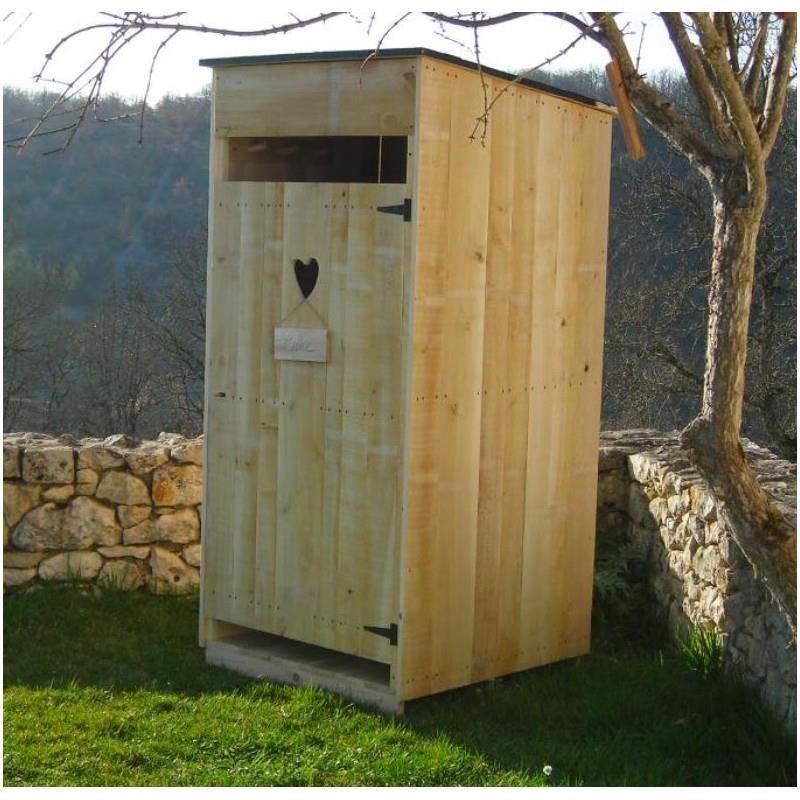 Un cabinet de toilette à fumain