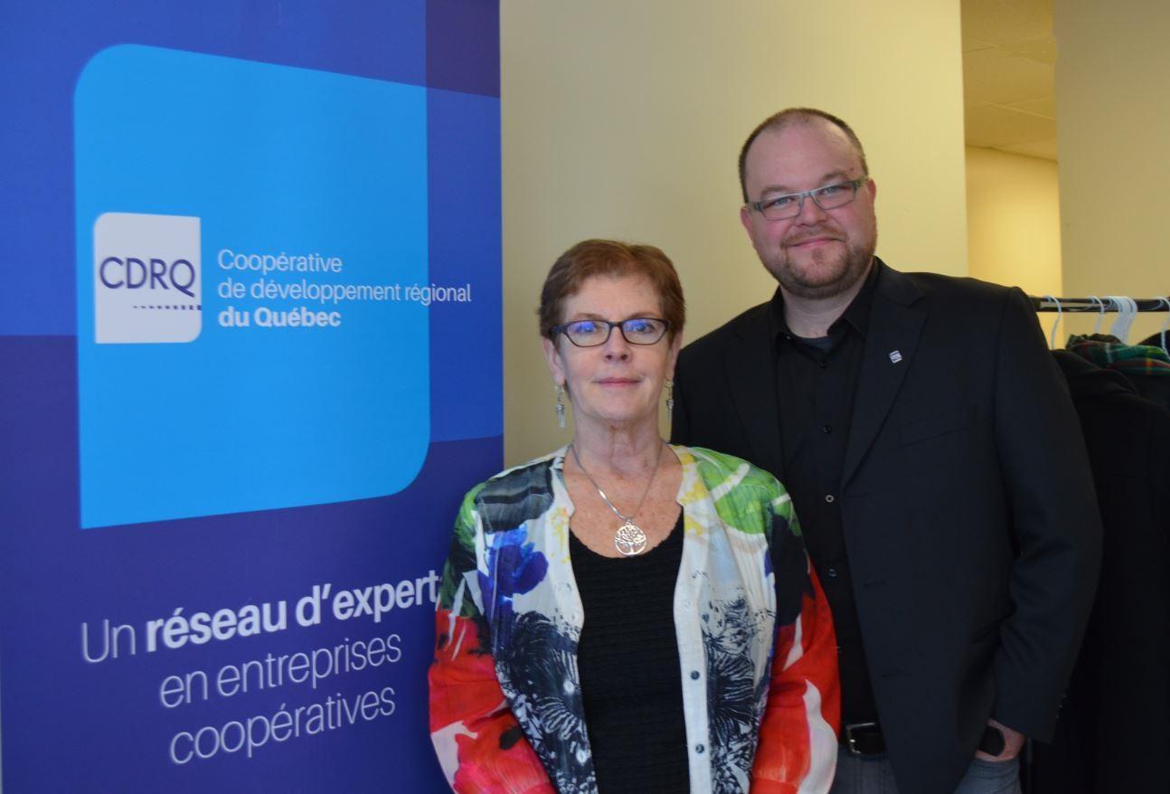 Danielle Dufresne, conseillère en développement coopératif pour la CDRQ au Bas-St-Laurent et Patrice Blais, directeur régional de la CDRQ BSL- Gaspésie − les Îles.