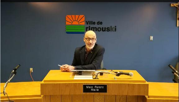 Le maire Marc Parent lors du point de presse de vendredi matin sur le redécoupage des districts électoraux à Rimouski.