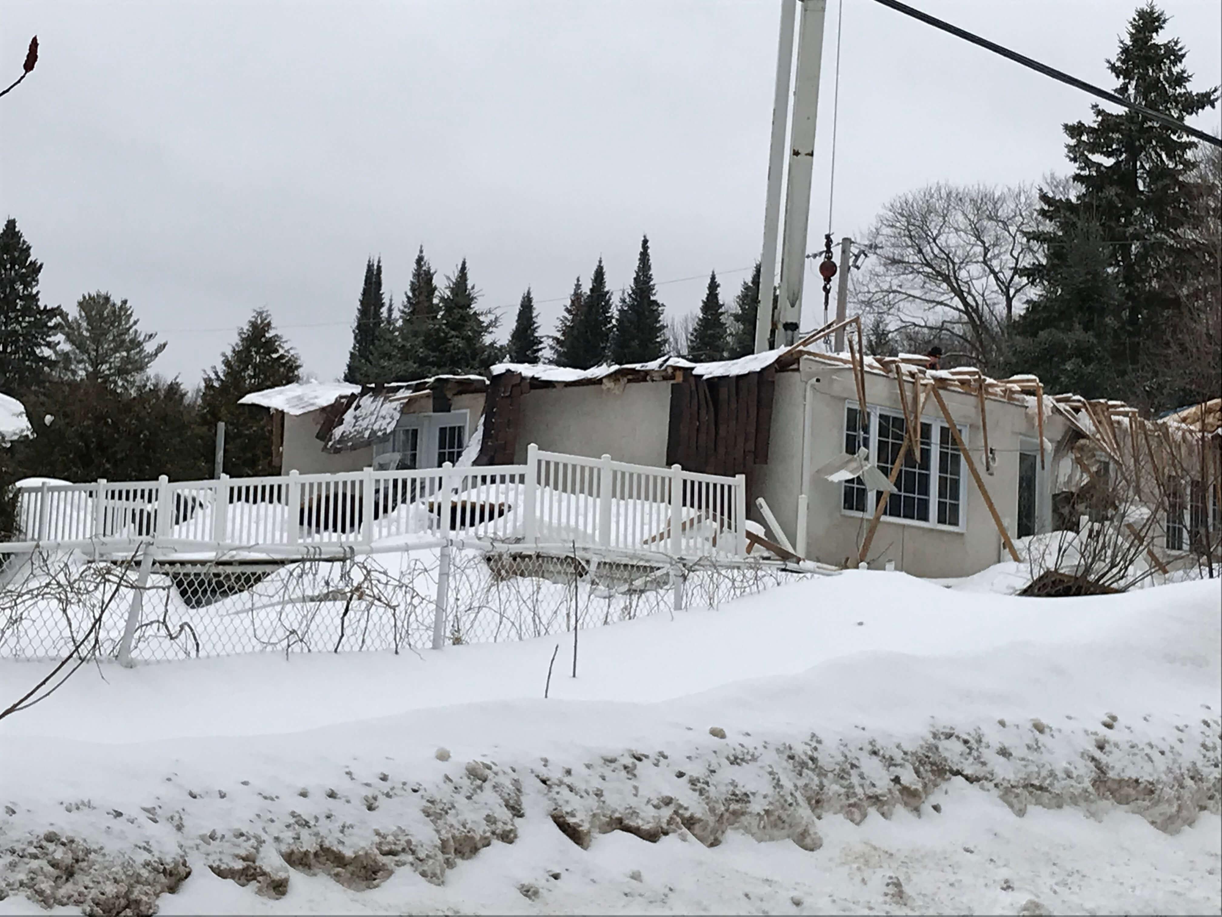 Effondrement toit à Sainte-Julienne