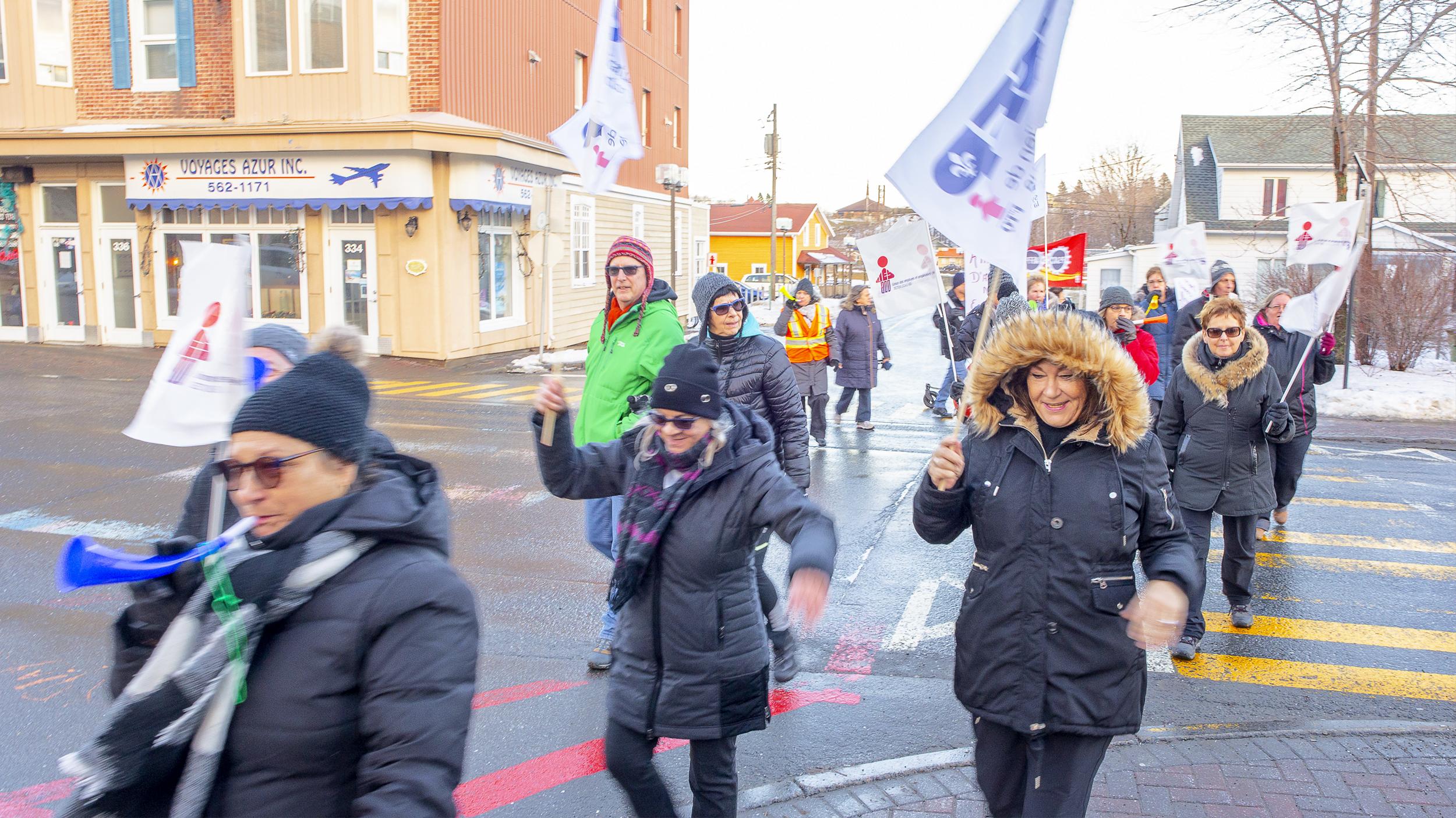 Manifestation Matane soutien grève résidence des Bâtisseurs