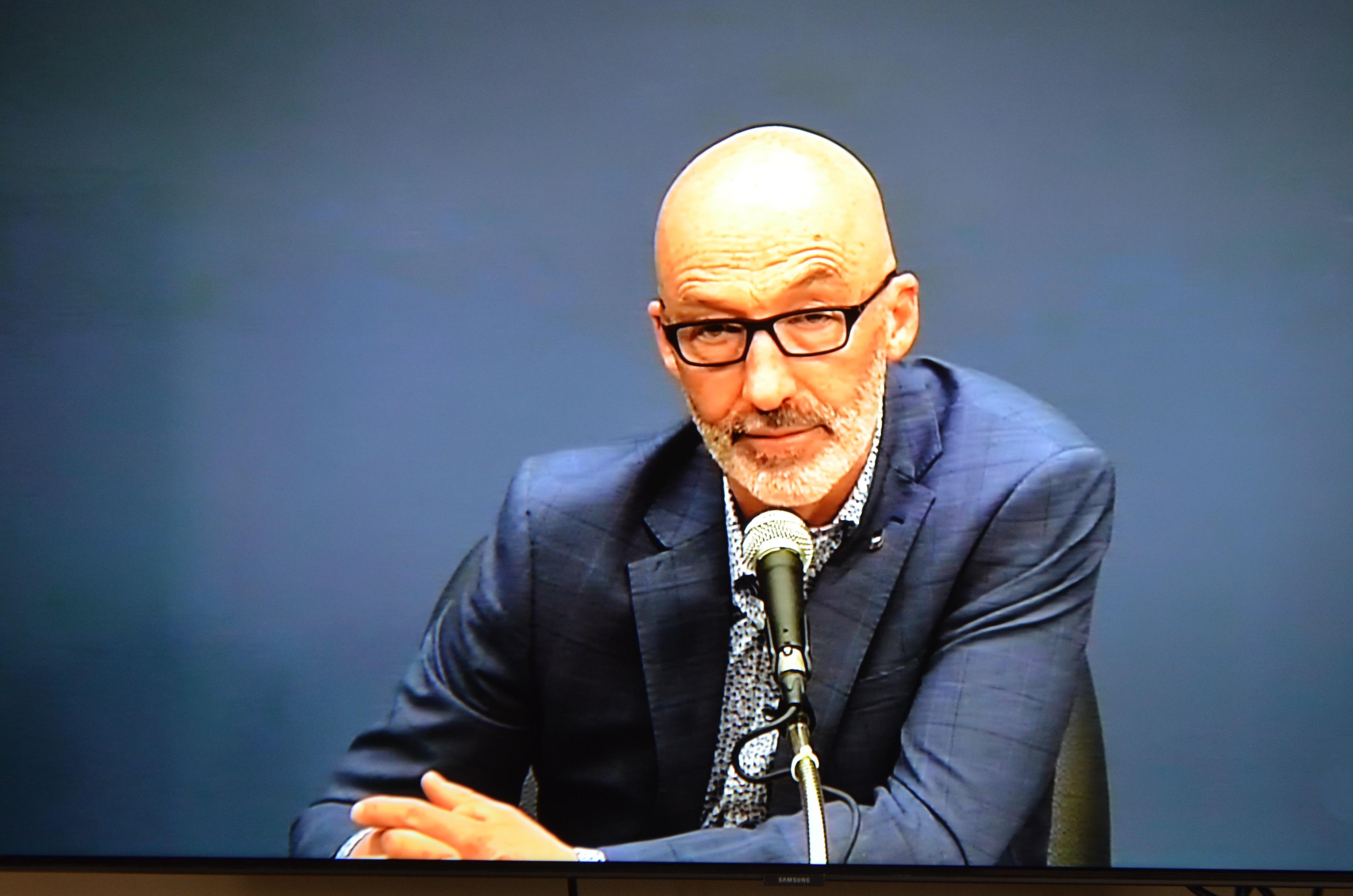 Le maire Marc Parent lors de la séance du conseil municipal de Rimouski le 4 mai 2020.