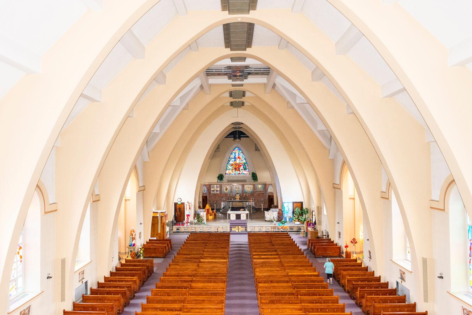 Église Saint-Jérôme de Matane intérieur style Dom-Bellot