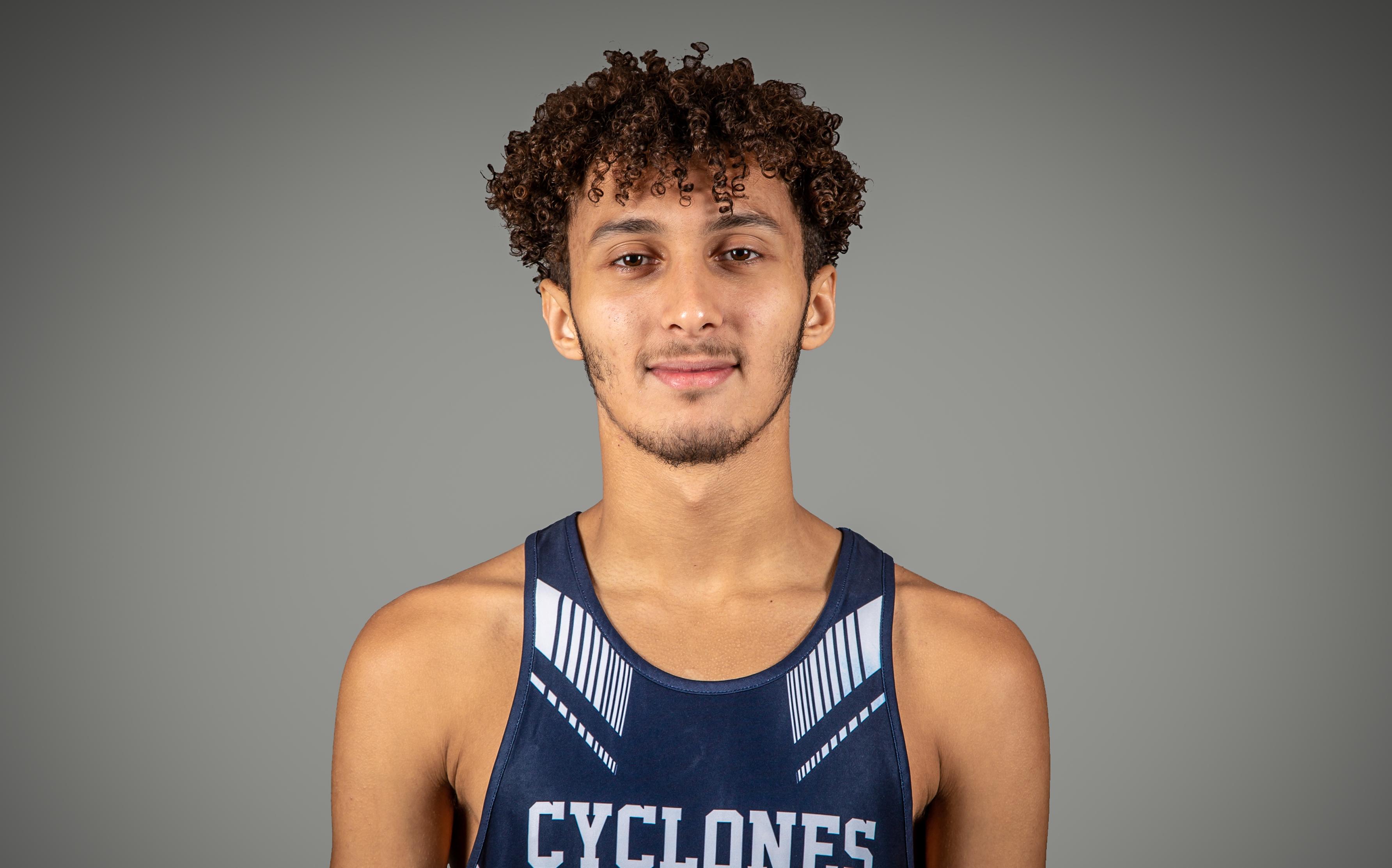 Mohamed Amine Kourouss membre de l'équipe de cross-country des Cyclones